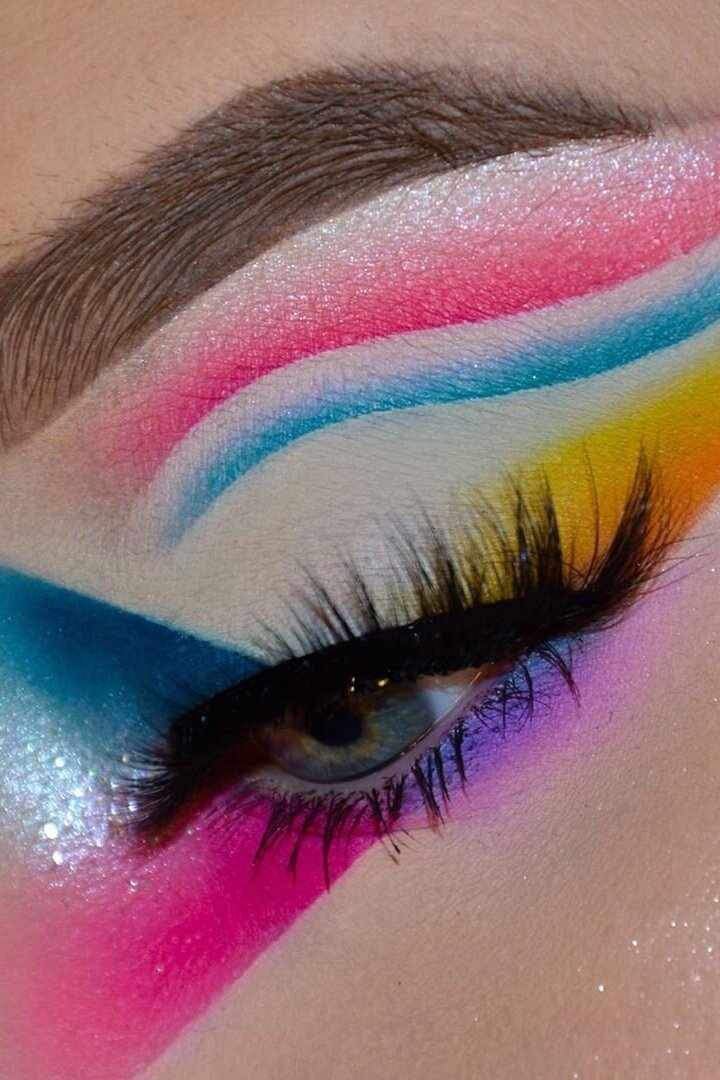 21 Abstract Makeup Looks That Are Totally Selfie Worthy I