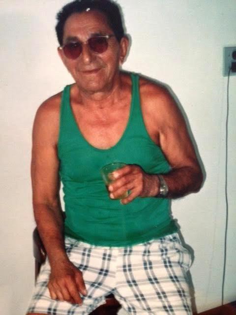 Meu pai em 1997 em uma roda de samba