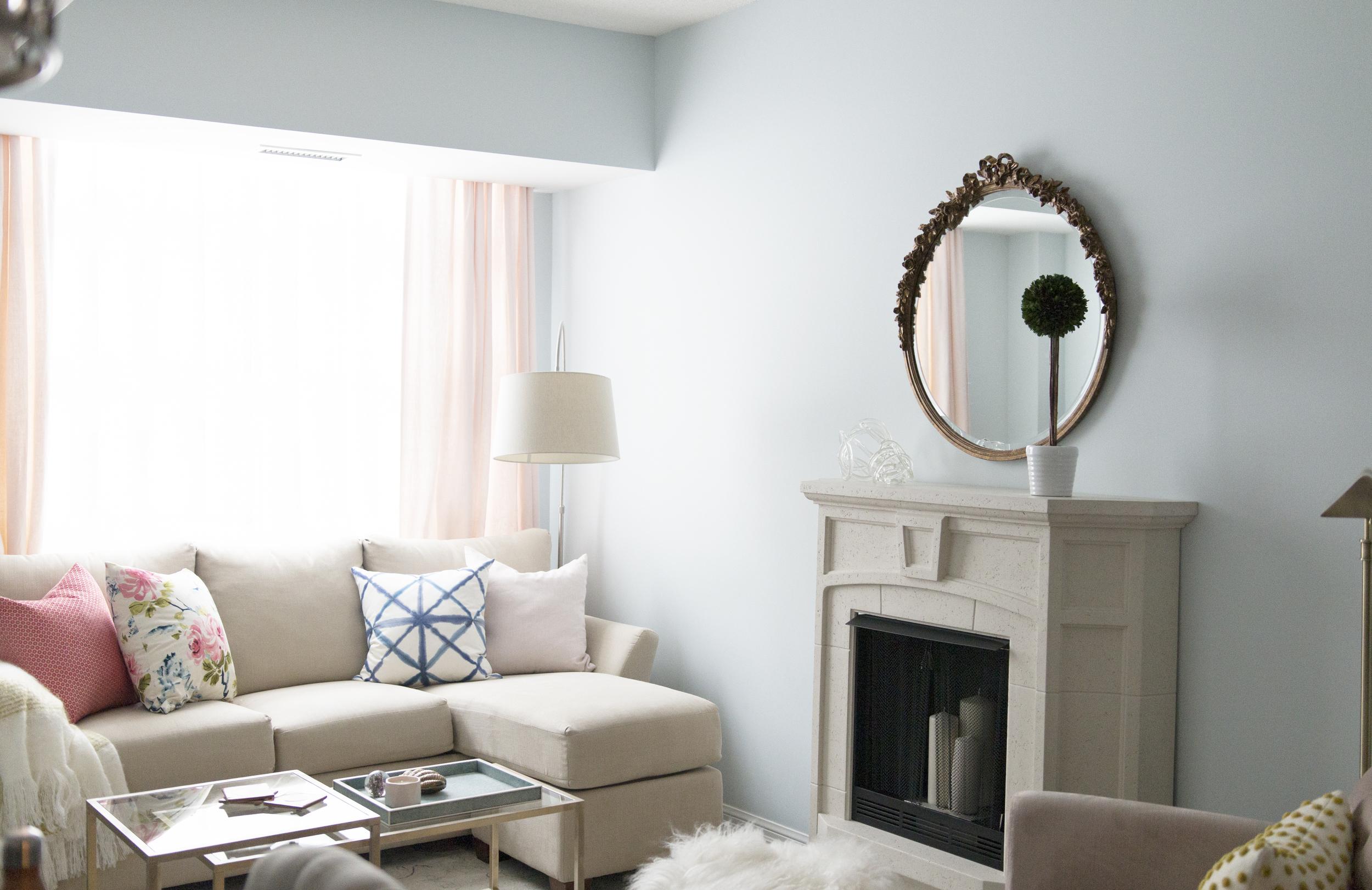 Livingroom3 copy.jpg