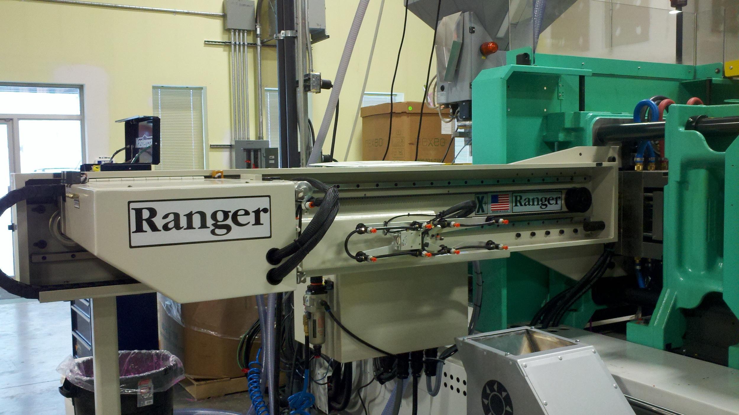 Ranger SA-300 1 Side-Entry Picker.jpg