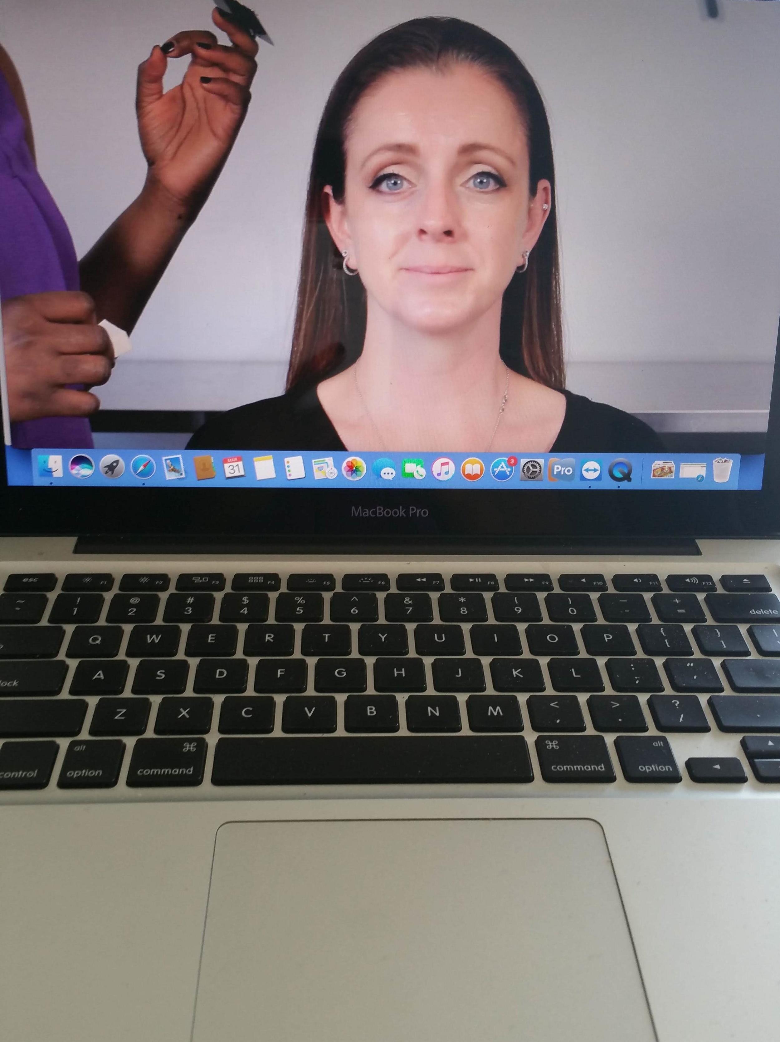 Nicole_Richards_online_makeup_lesson.jpg