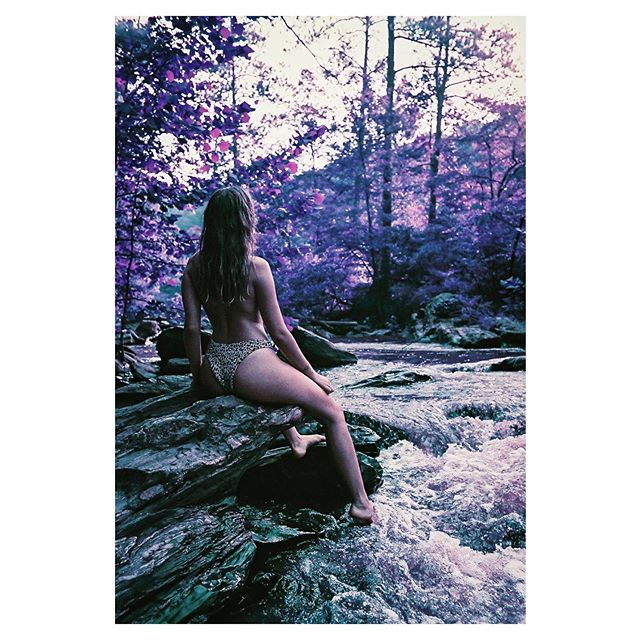 Trippy with @fairdanks #heylomography #lomography #leicacamera #lomochromepurple #beauty #swim