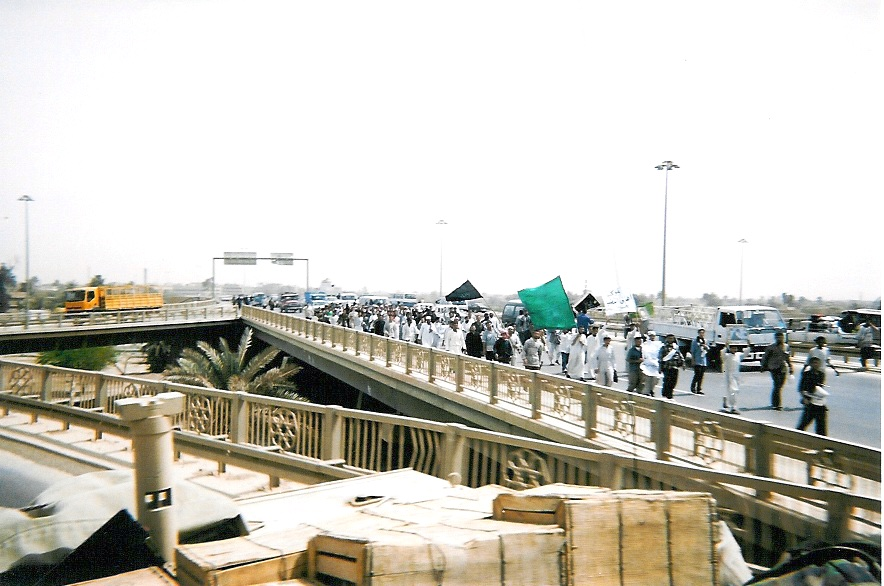 Religious marchers from Baghdad to Karbala copy.jpg