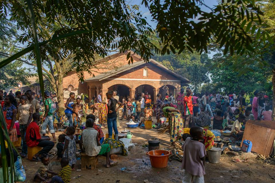 Fleeing the violence in Bangui, over 9,000 people have sought refuge in Boy-Rabe monastery. ©ICRC/Rabih Mazboudi