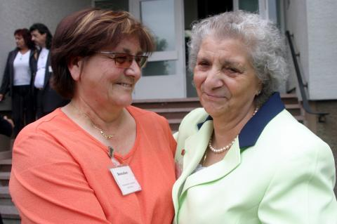 Over the years, the ITS has enabled many people to be reunited with relatives. These include the Böhmer sisters, reunited in September 2006 after 60 years.