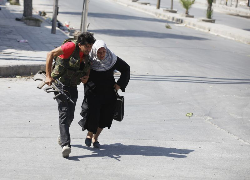 In Syria, civilians struggling to stay safe - Aleppo, August 12, 2012 - Photo courtesy of Reuters/Goran Tomasevic