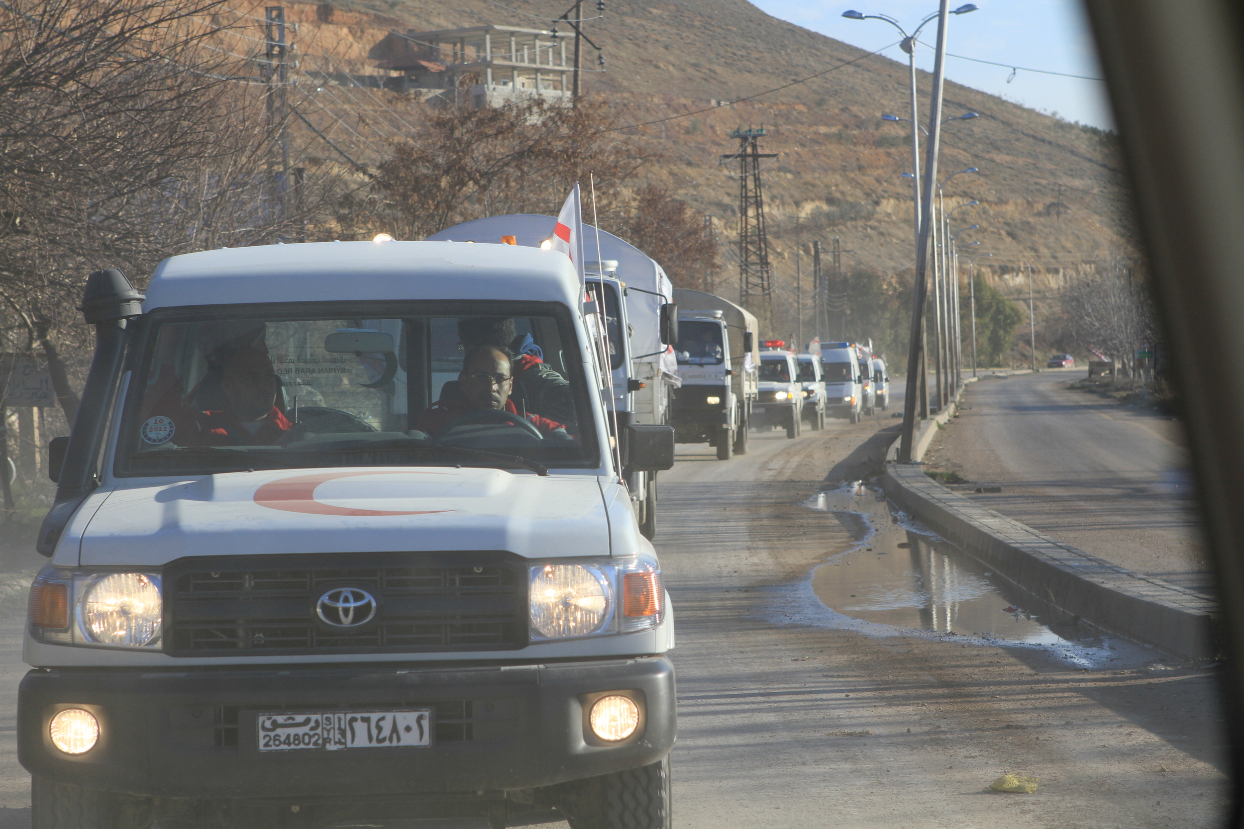 ICRC President calls for daily halts in fighting in Syria - Syrian Arab Red Crescent convoy in Zabadani valley - Syrian RC/Malla, Ibrahim