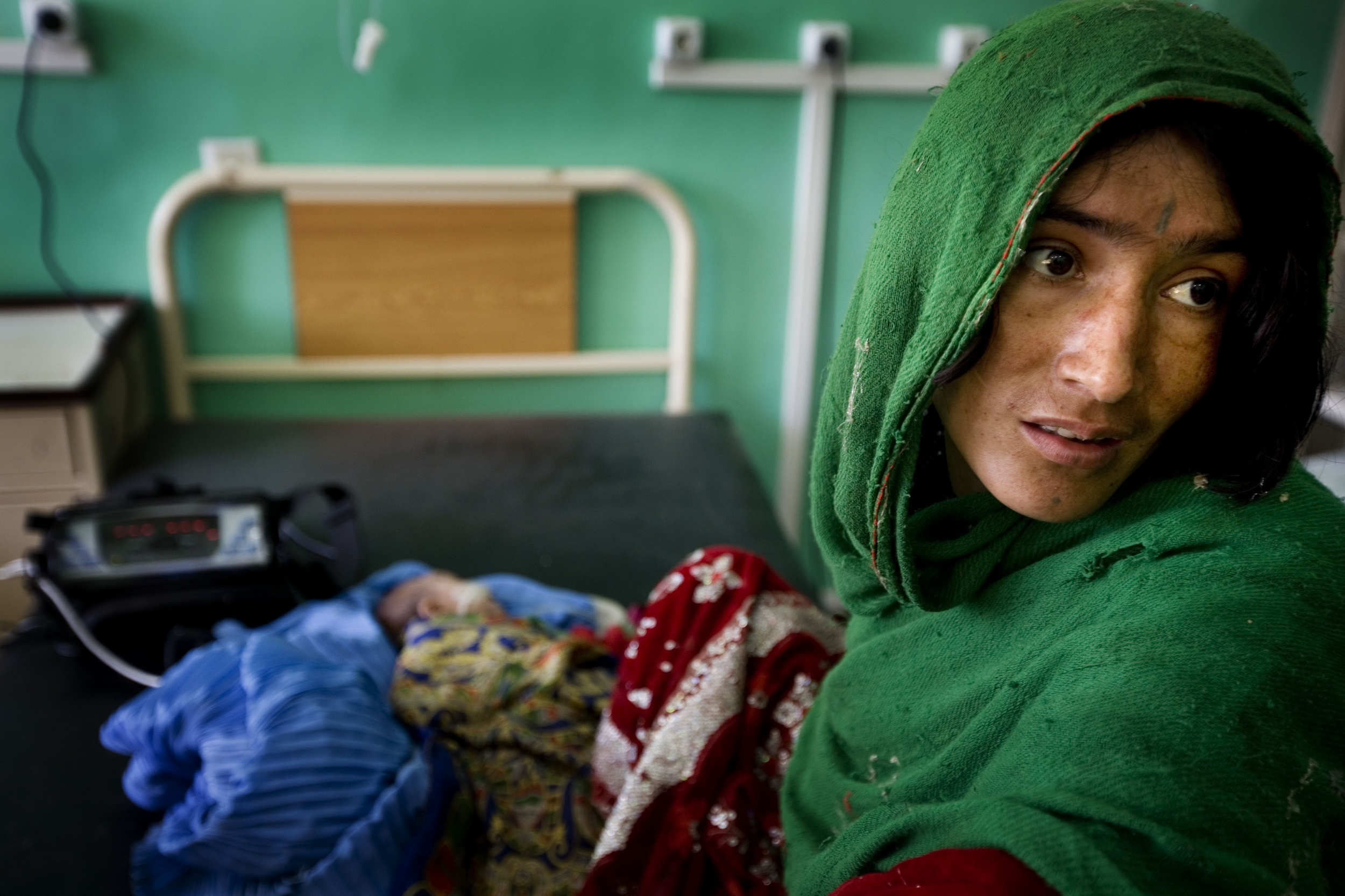 In war, a desperate sprint to frontline hospitals - ICRC/HOLT, Kat