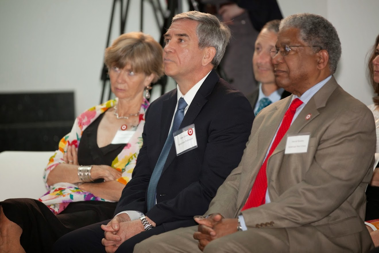Former ICRC Delegate, Suzanne Hofstetter (left), sits next to Mike Durant, whom she visited in Mogadishu in 1993 after his Black Hawk helicopter was shot down and he was taken as a POW. They are seated next to Harold Brooks (right), Senior Vice President of International Operations at the American Red Cross.