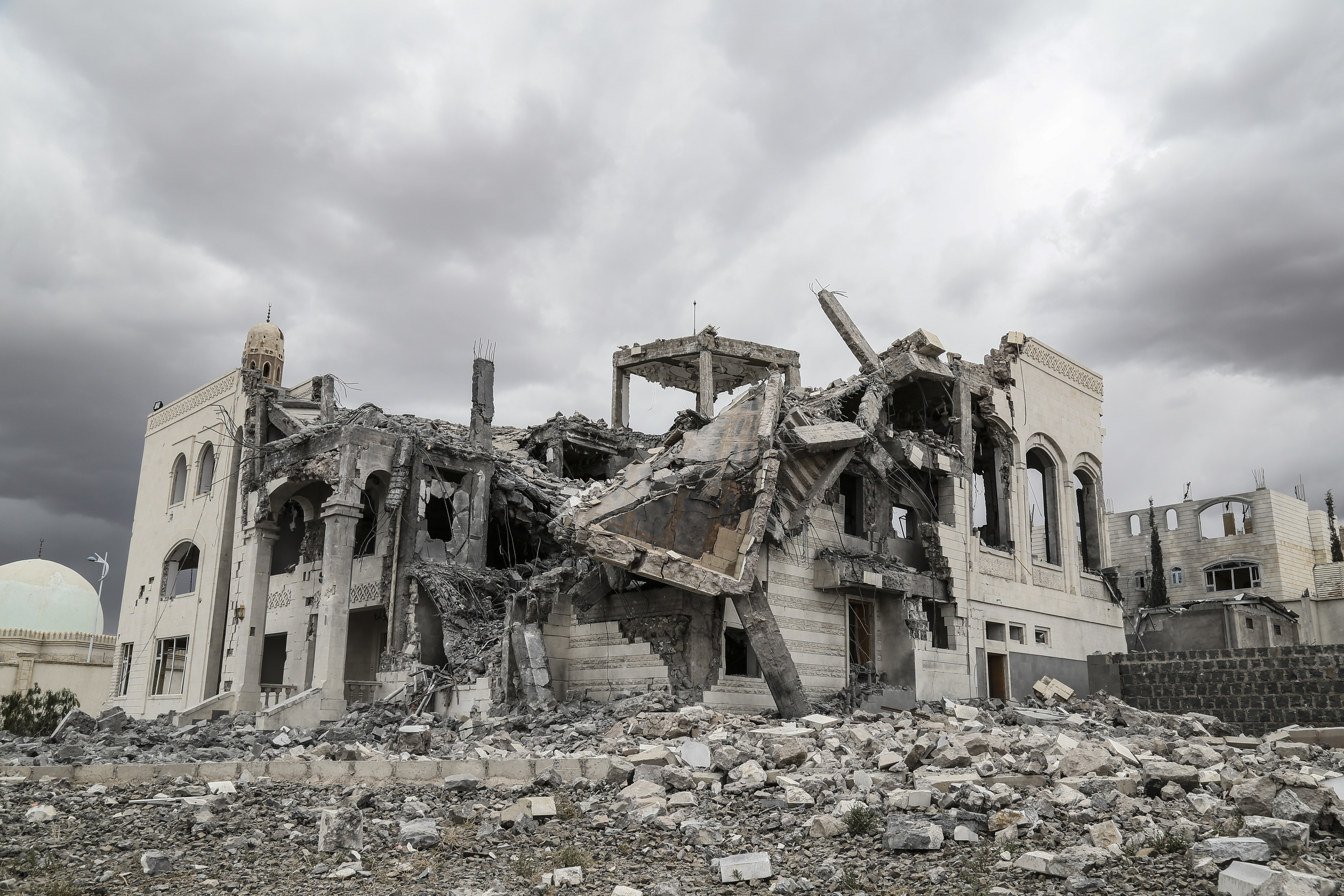 Sana'a, Hay Soufan district. large scale destruction now covers the landscape in yemen. Thomas Glass/ ICRC.