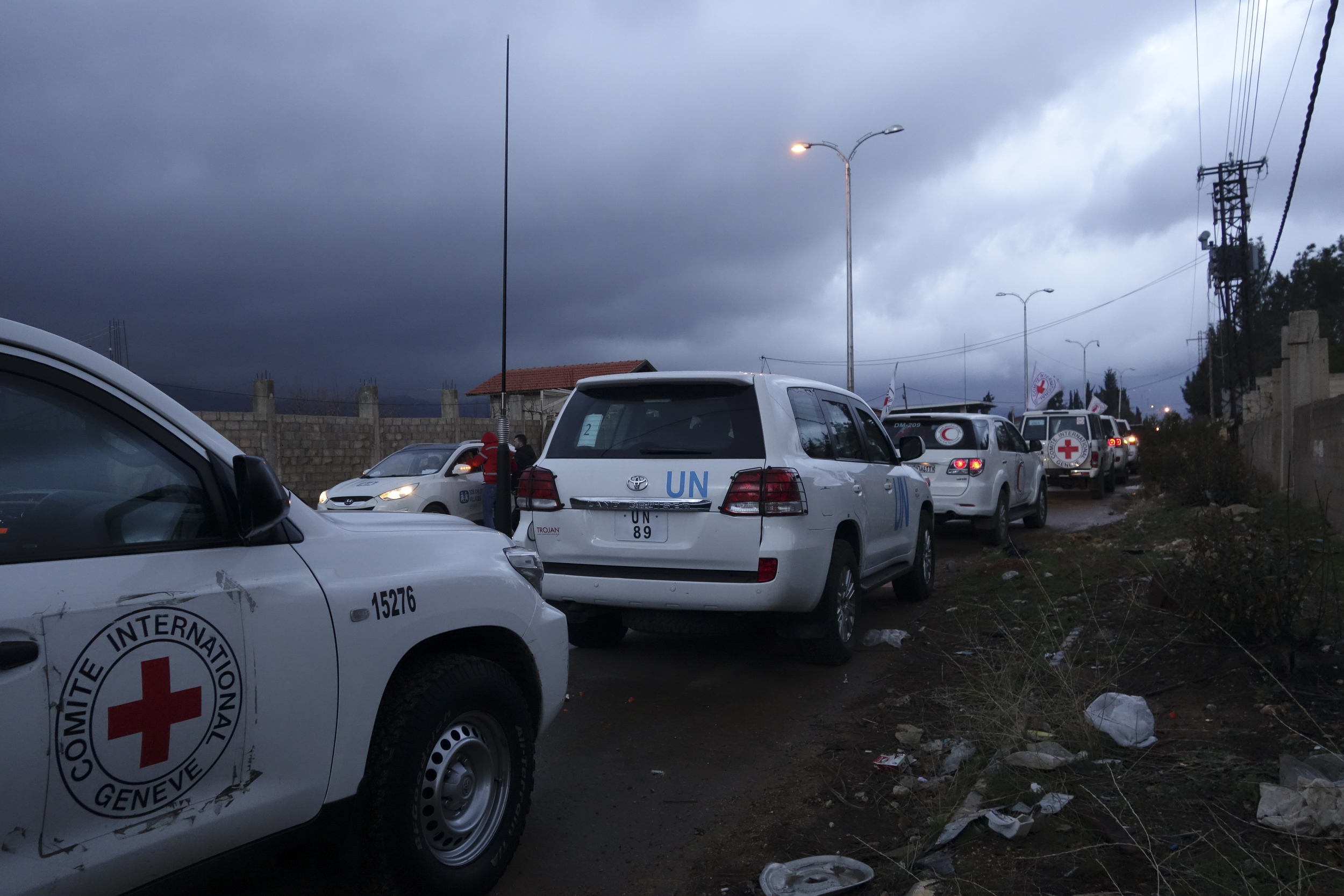 Rural Damascus, Zabadani way. A joint ICRC, UN, Syrian Arab Red Crescent aid convoy en route to Madaya. © ICRC/ somar Rezk.