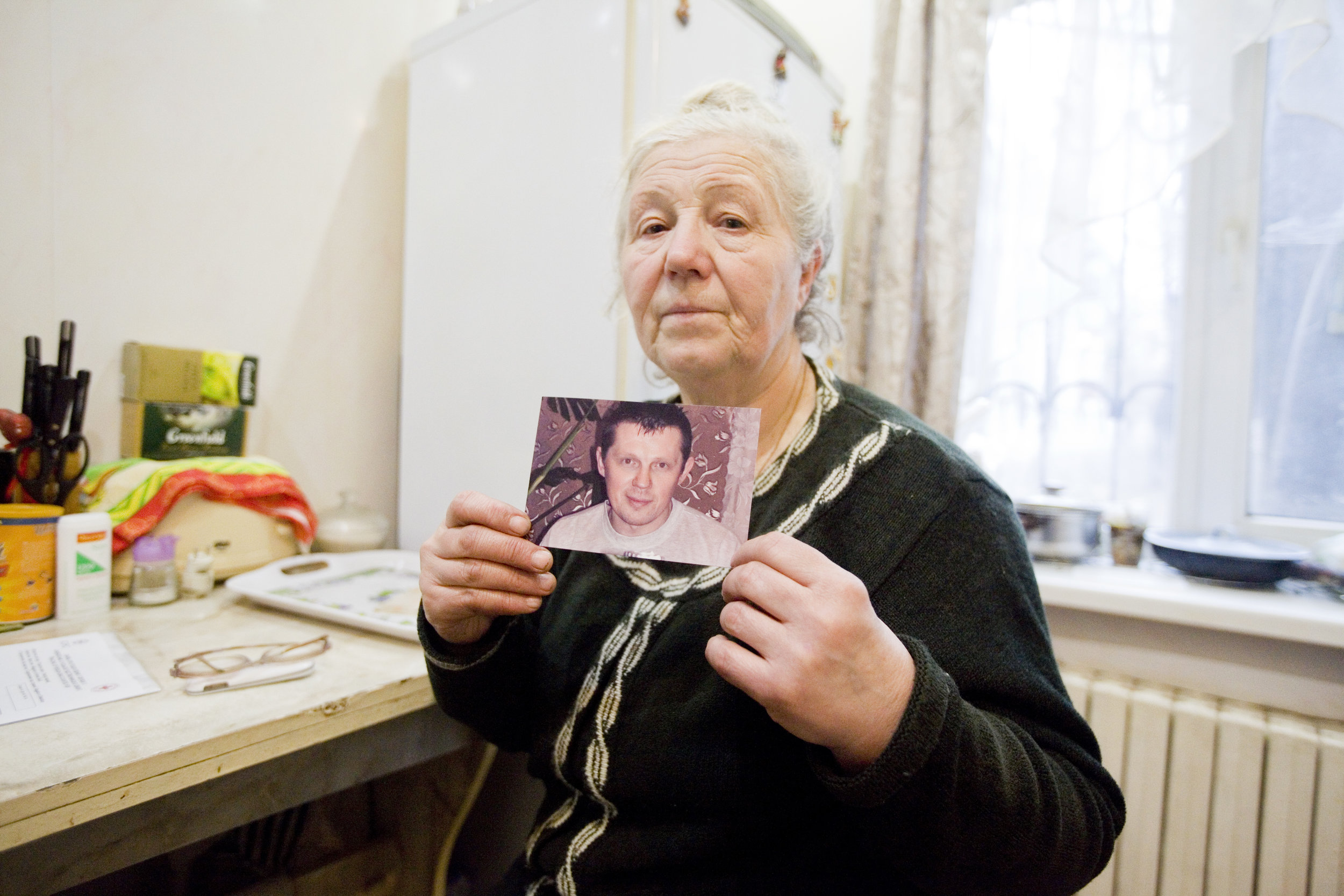 Gorlvoka, Ukraine.  The ICRC helps families find relatives. ICRC/Pieter-Jan De Pue