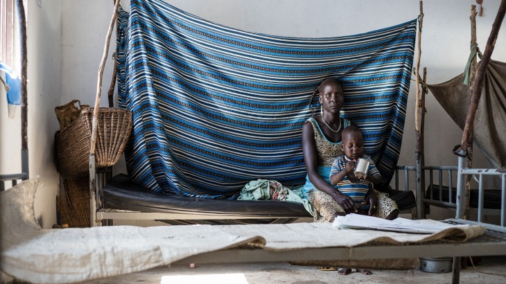 Decades of violence in South Sudan have shattered hopes for a sound medical system. For a patient who needs to reach a hospital in an emergency the absence of roads is a death sentence. ICRC / Alyona Synenko