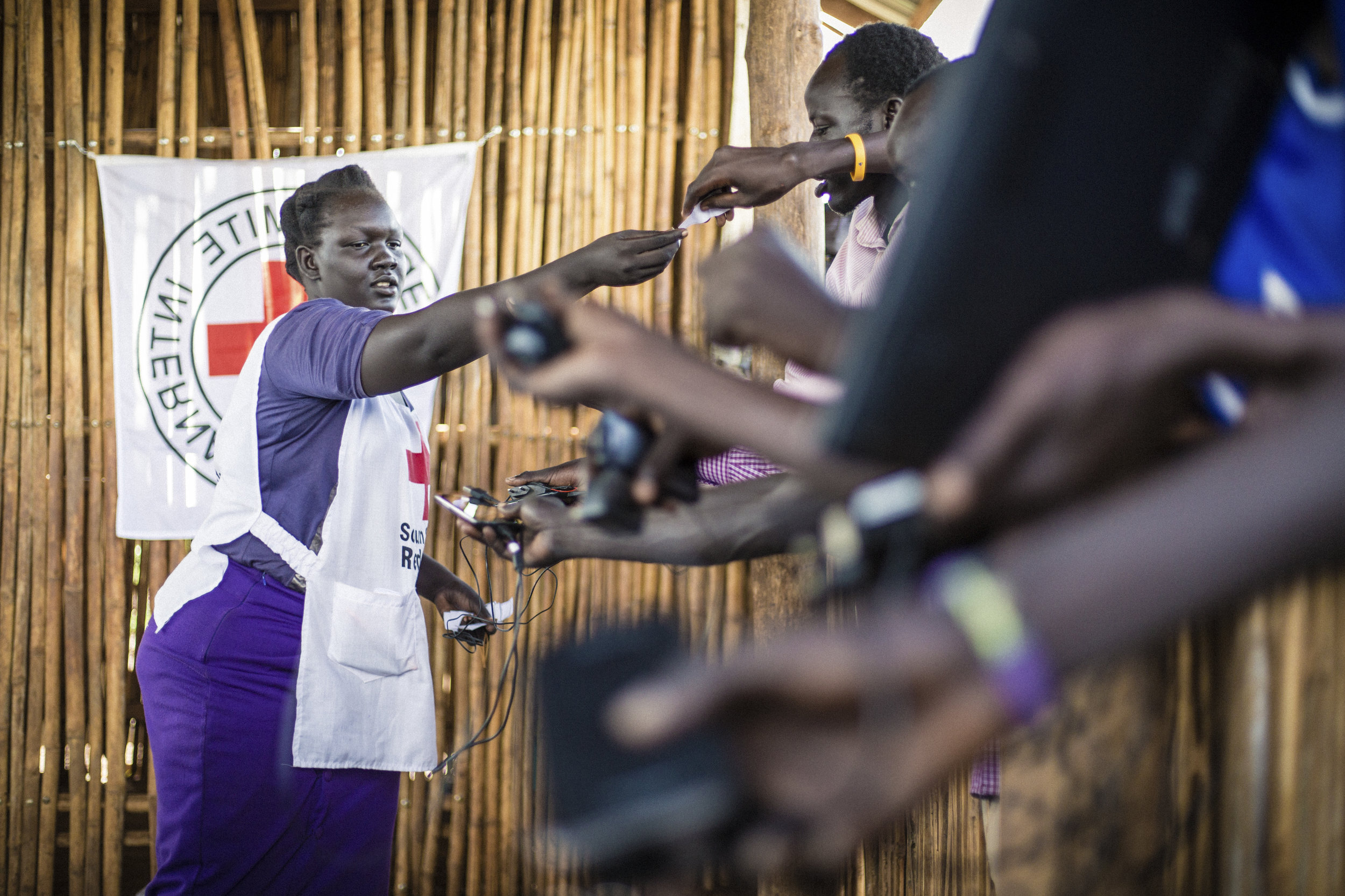 South Sudan. The ICRC and the South Sudan Red Cross Society set up a temporary phone charging services in Juba to enable displaced persons to give news to their families.