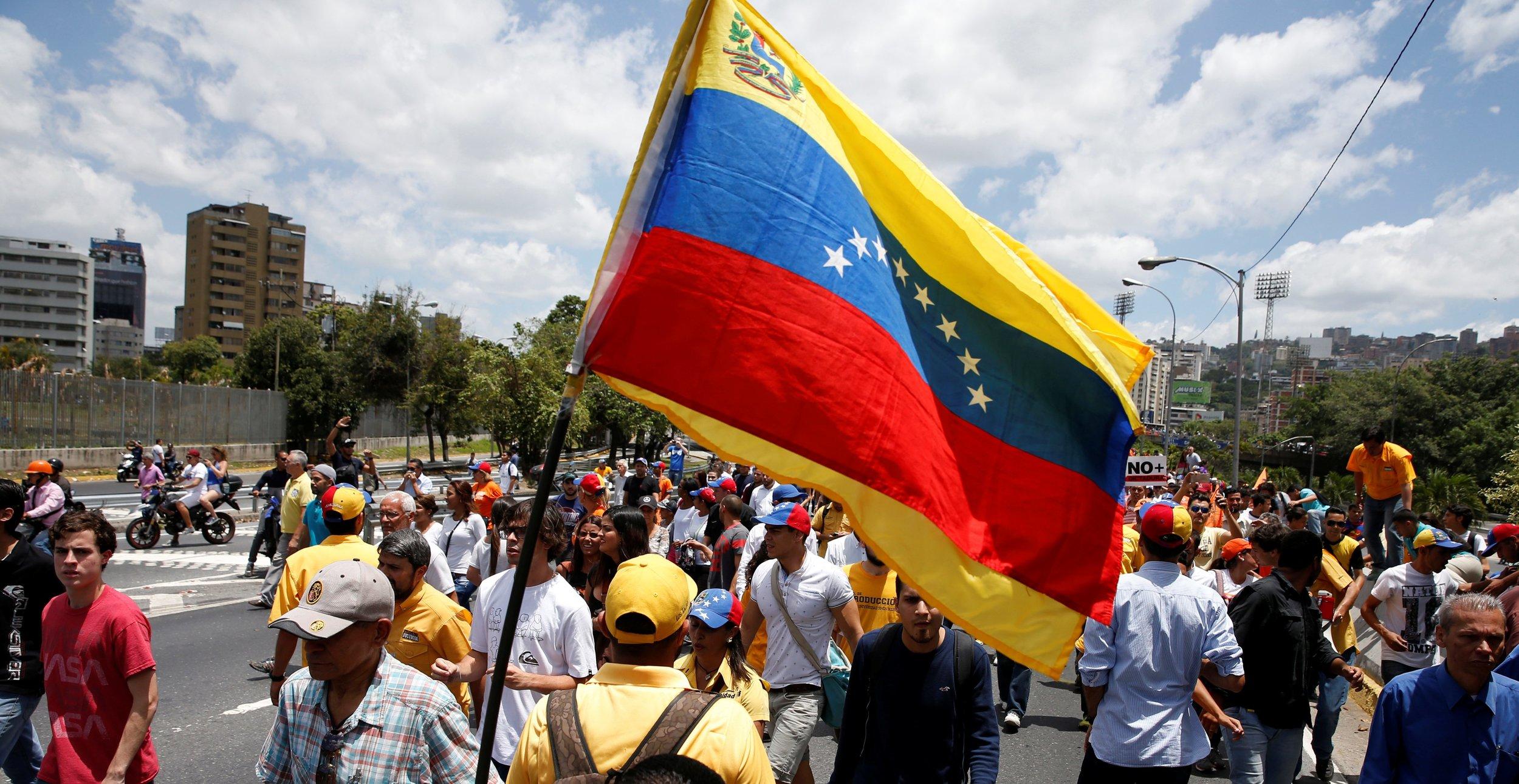 venezuela_protest_flag001-e1491425661760.jpg