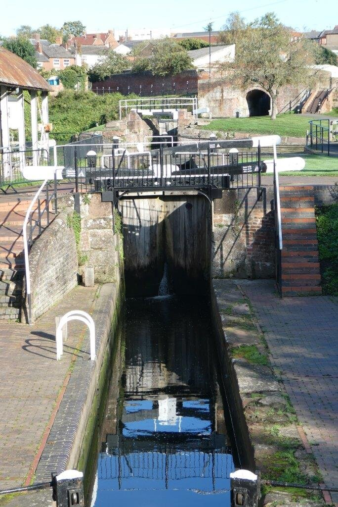 NH 2019-10-17 04 Stourport-on-Severn locks.jpg