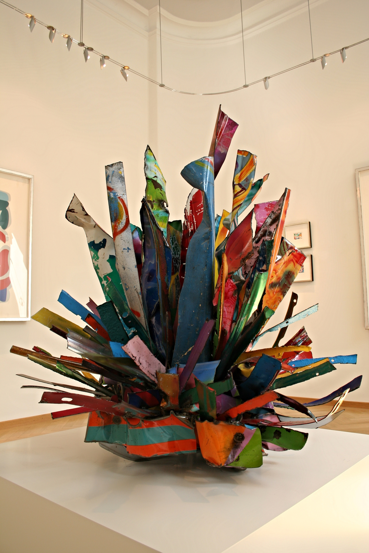 John Chamberlain FOURDOORCOUPE, 2008 Painted and chromed steel 147 x 135 x 135 cm | 57 3/4 x 53 1/4 x 53 1/4 in (sold)