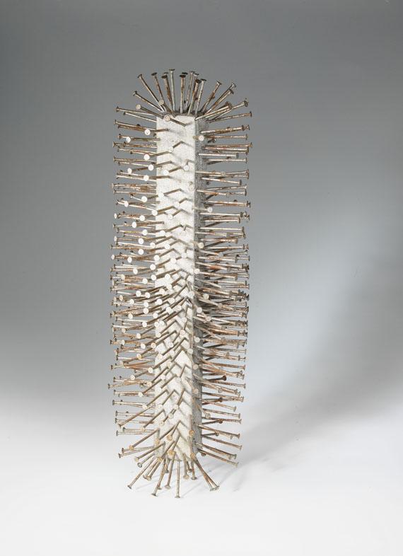 Günther Uecker Column, 1960 Nägel auf Leinwand auf Holz, mit Silberspray h = 75, Ø 25 cm | h = 29 1/2, Ø 9 3/4 in GU/O 4 sold