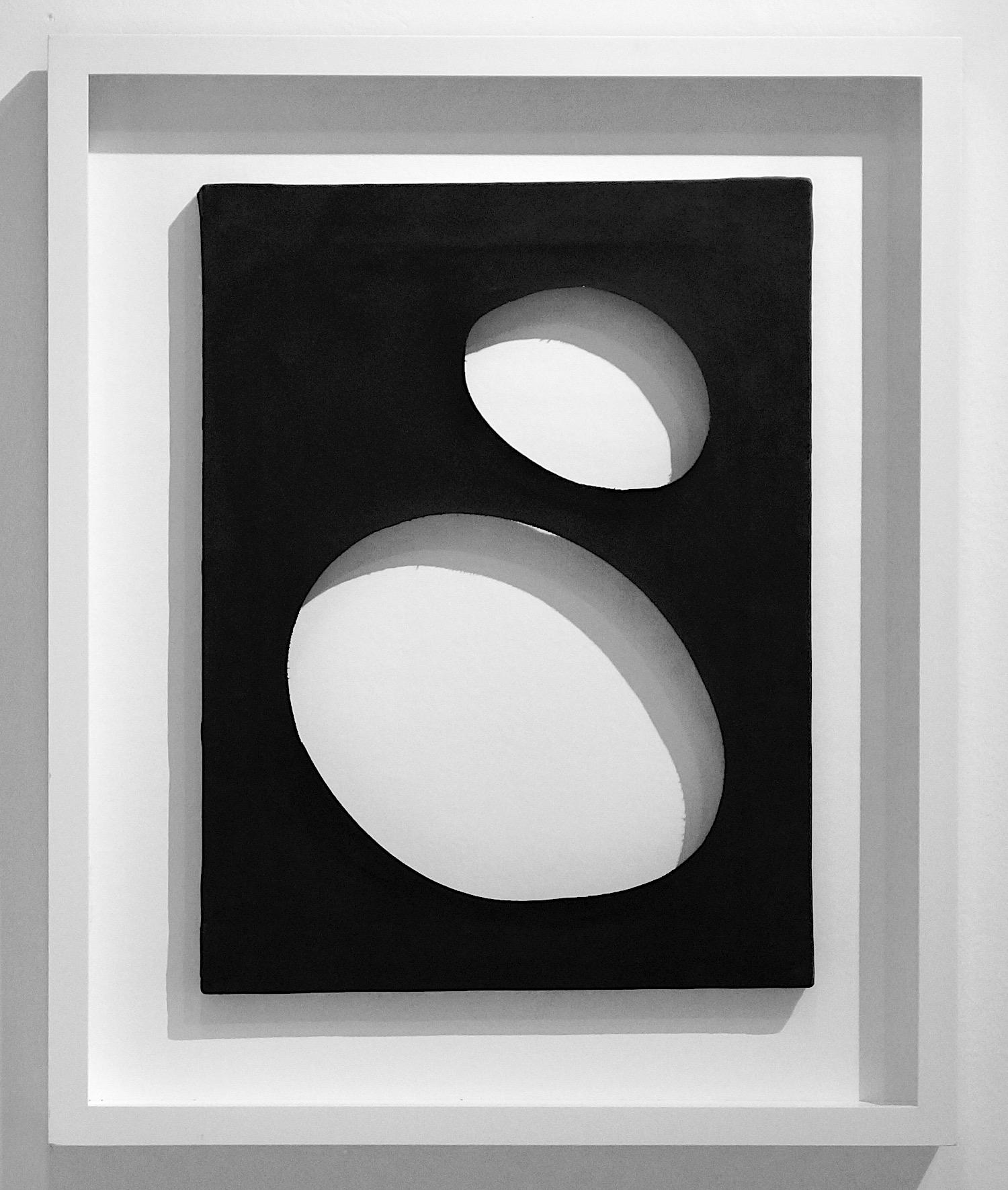 Dadamaino Volume, 1958 tempera on canvas 40 x 30 cm | 15 3/4 x 11 3/4 in framed: 55 x 45 cm | 21 2/3 x 17 3/4 in DAD/M 10