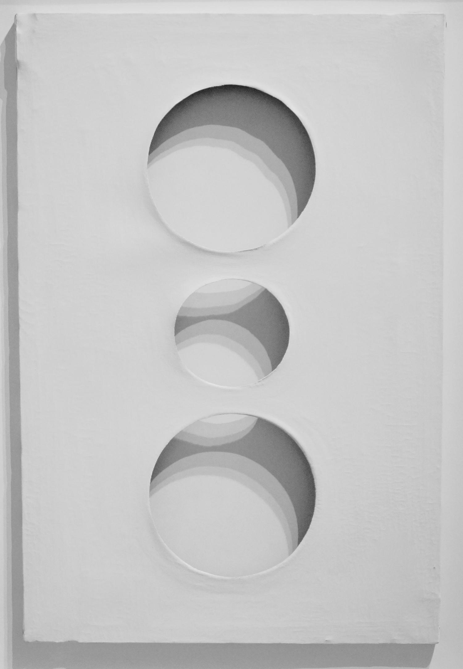 Dadamaino Volume bianco, 1960 Tempera on canvas 60 x 40 cm   23 2/3 x 15 3/4 in