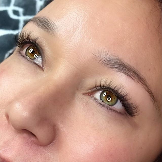 Natural looking lashes for her vacation. No mascara no problem!