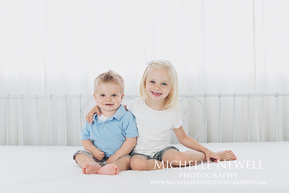 Sibling Family Portraits by Michelle Newell Photography