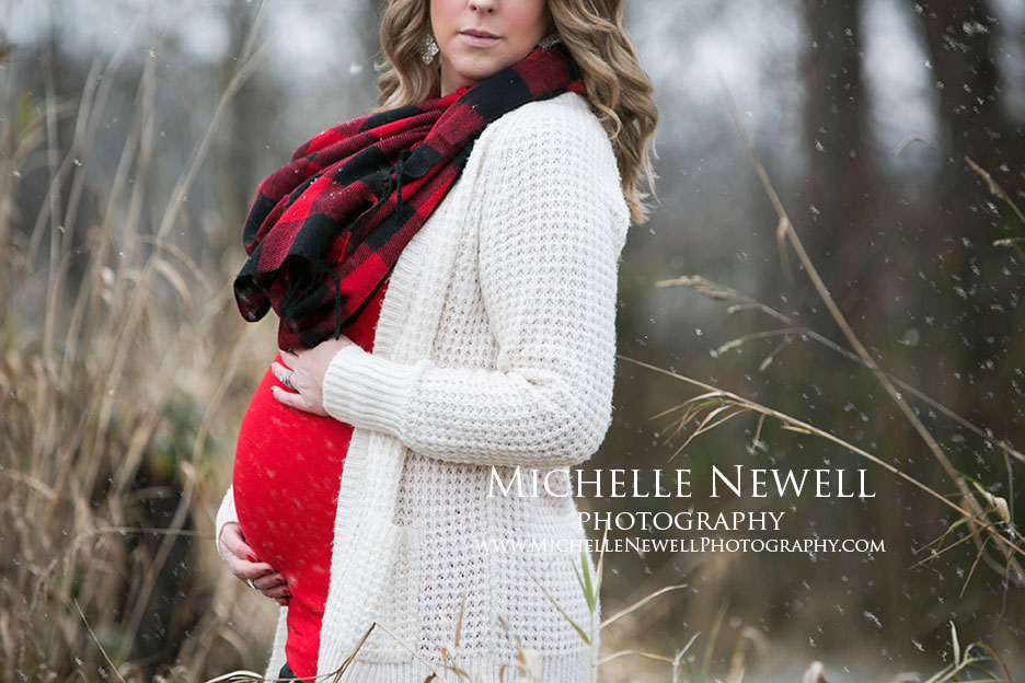 Pacific Northwest Winter Maternity Photography by Michelle Newell