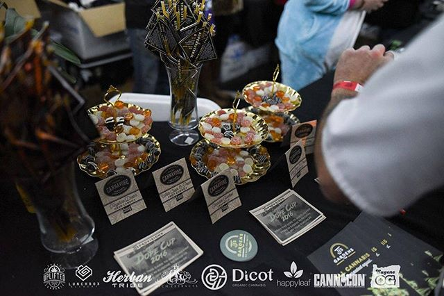 Great shot of the samples we had available at the TJ's booth for #DopeCup2016 Medical card holders were able to sample the tangerine dream hard candies, peach white grape fruit gummies, and chocolate covered salted caramels. Thanks for the shot @dopemagazine #eatcannavore #medibles #edibles #cannabis #tjsorganicgardens #smallbatch #handcrafted #quality #awardwinng #mouthwatering #oregon #dope