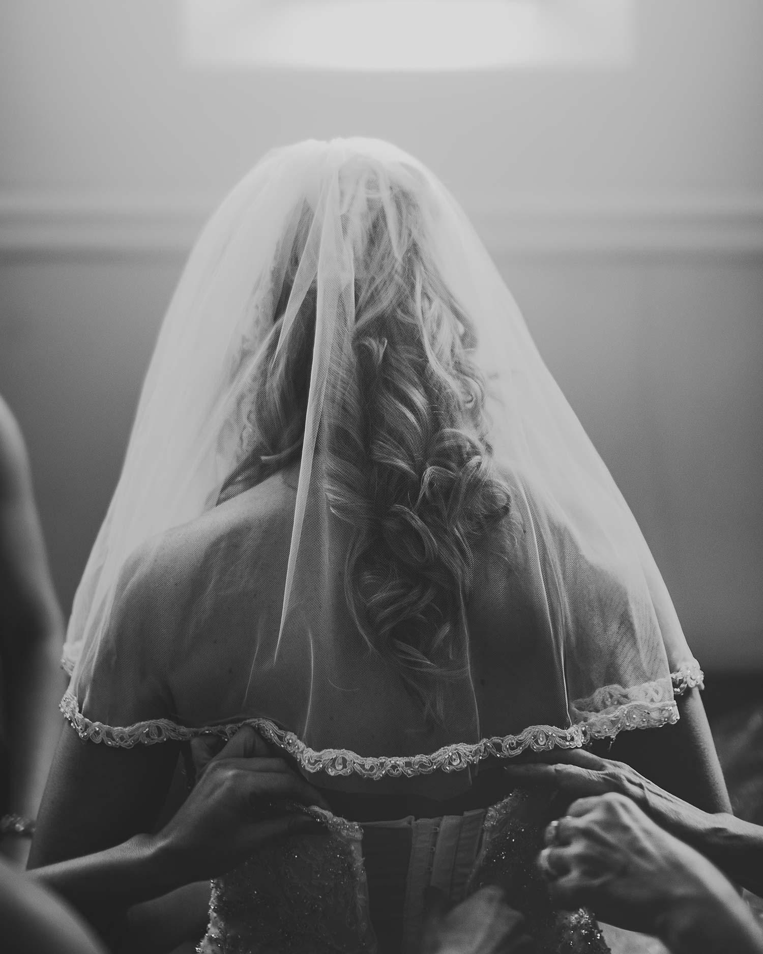 wedding-bride-getting-ready.jpg