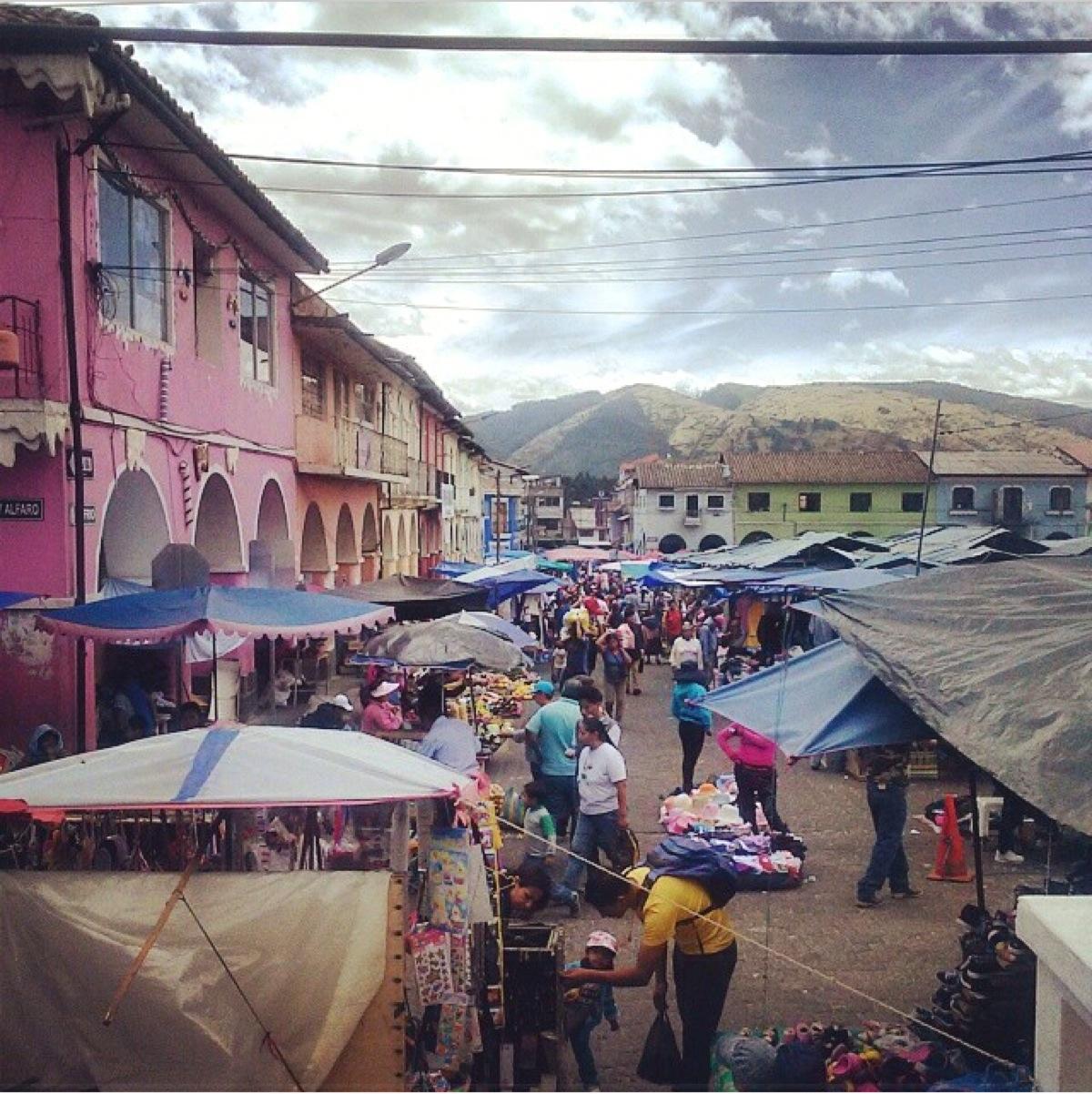 market Sangolqui.JPG