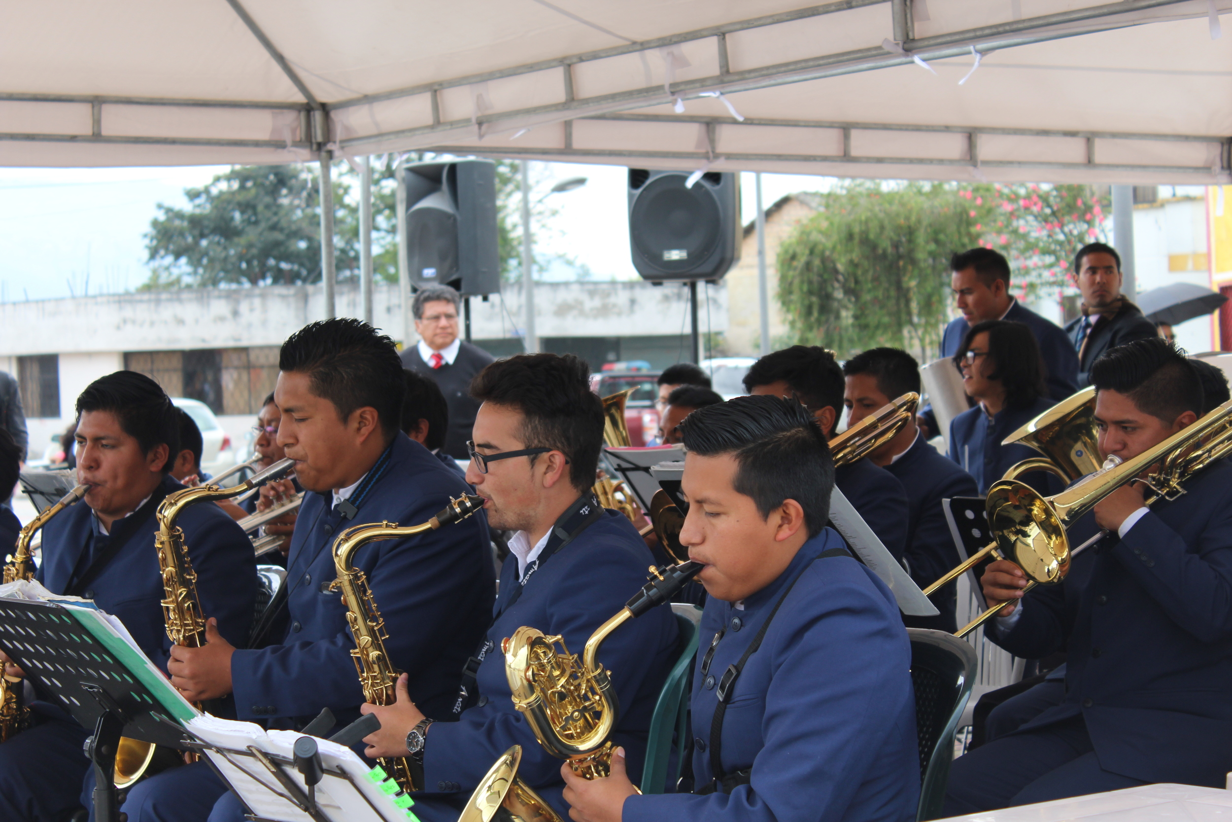 Ecuador5K_band.jpg