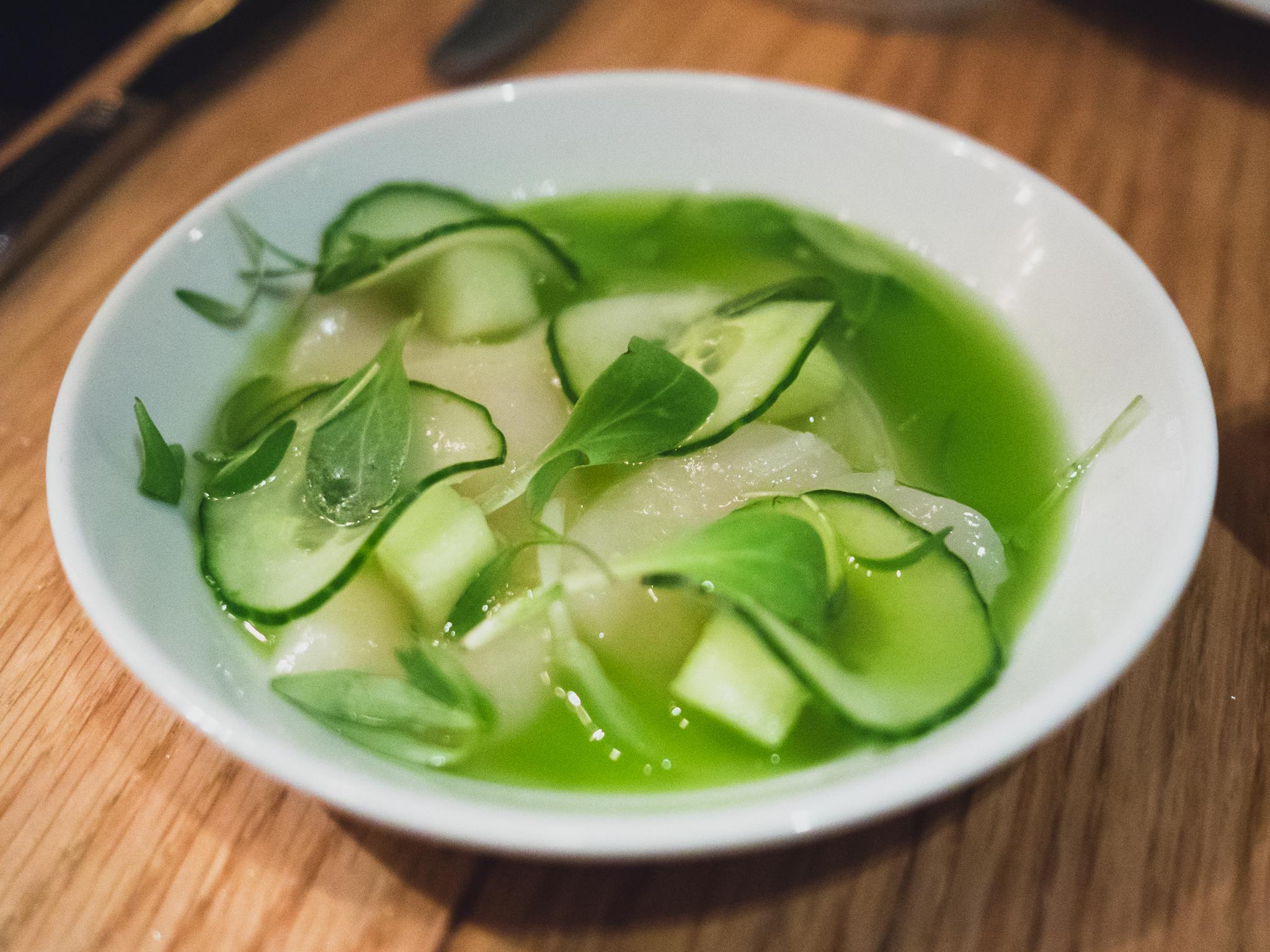 crudo : diver scallop, apple cucumber, serrano.
