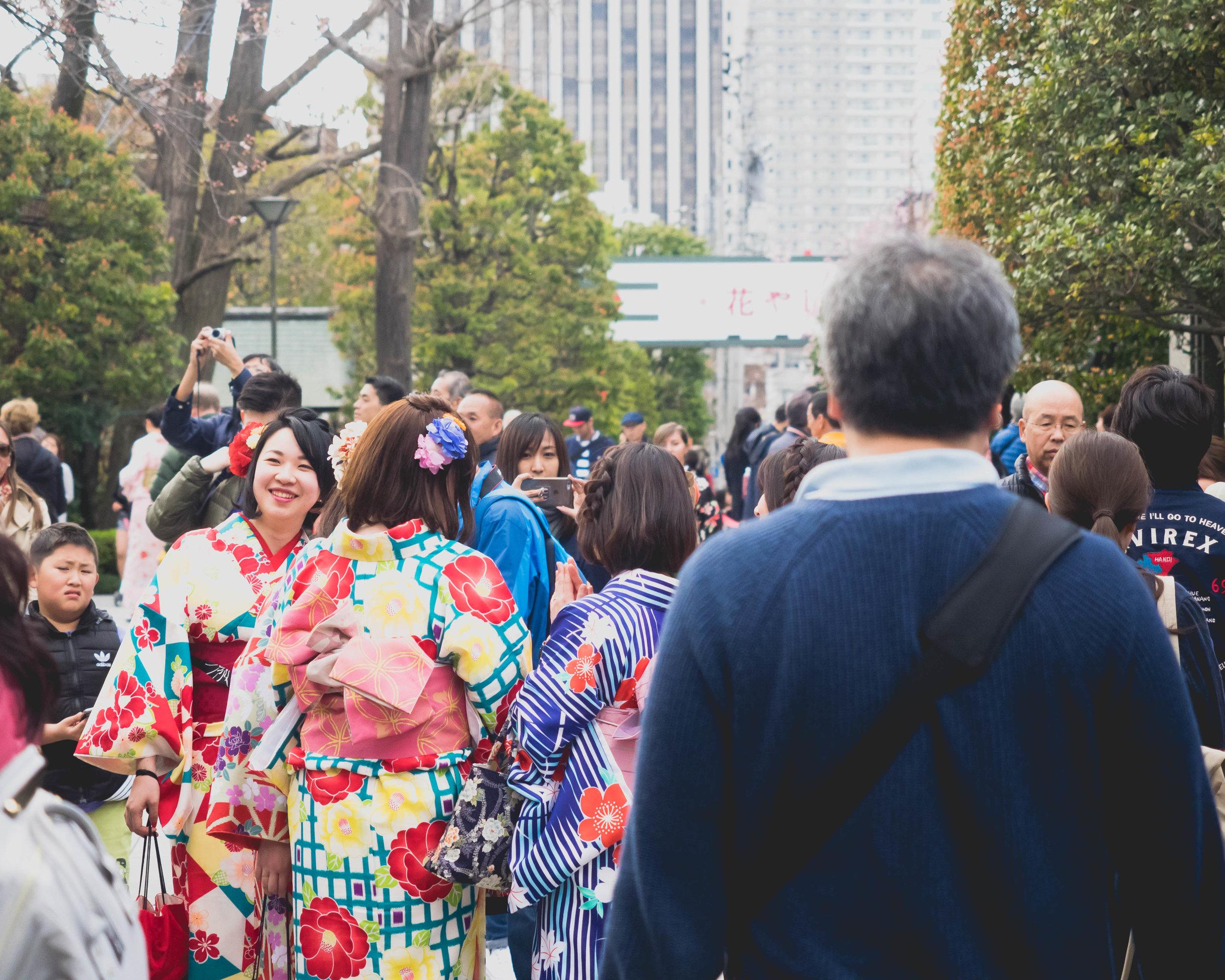 tourists in kimonos.