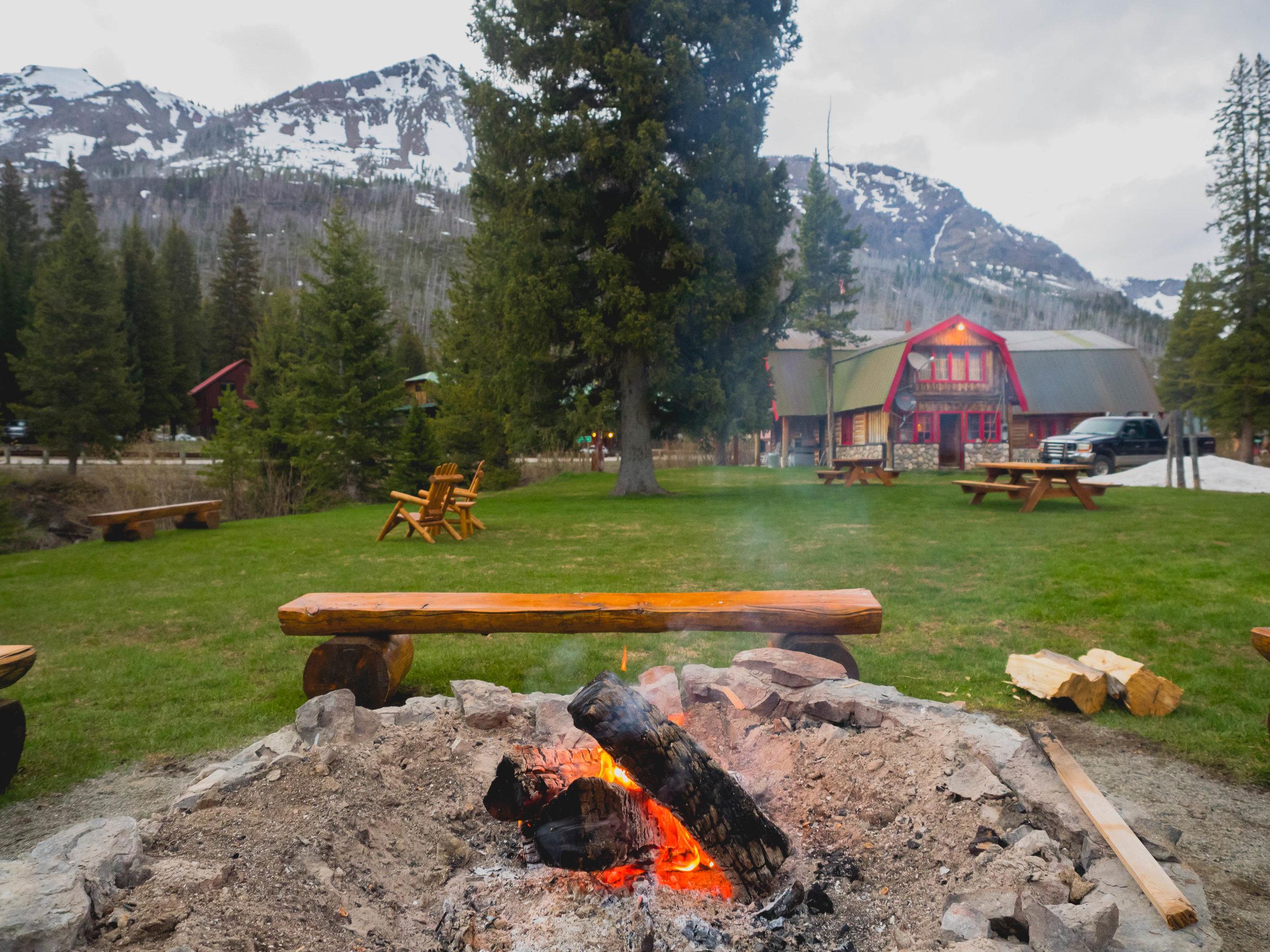 grizzly lodge, montana.