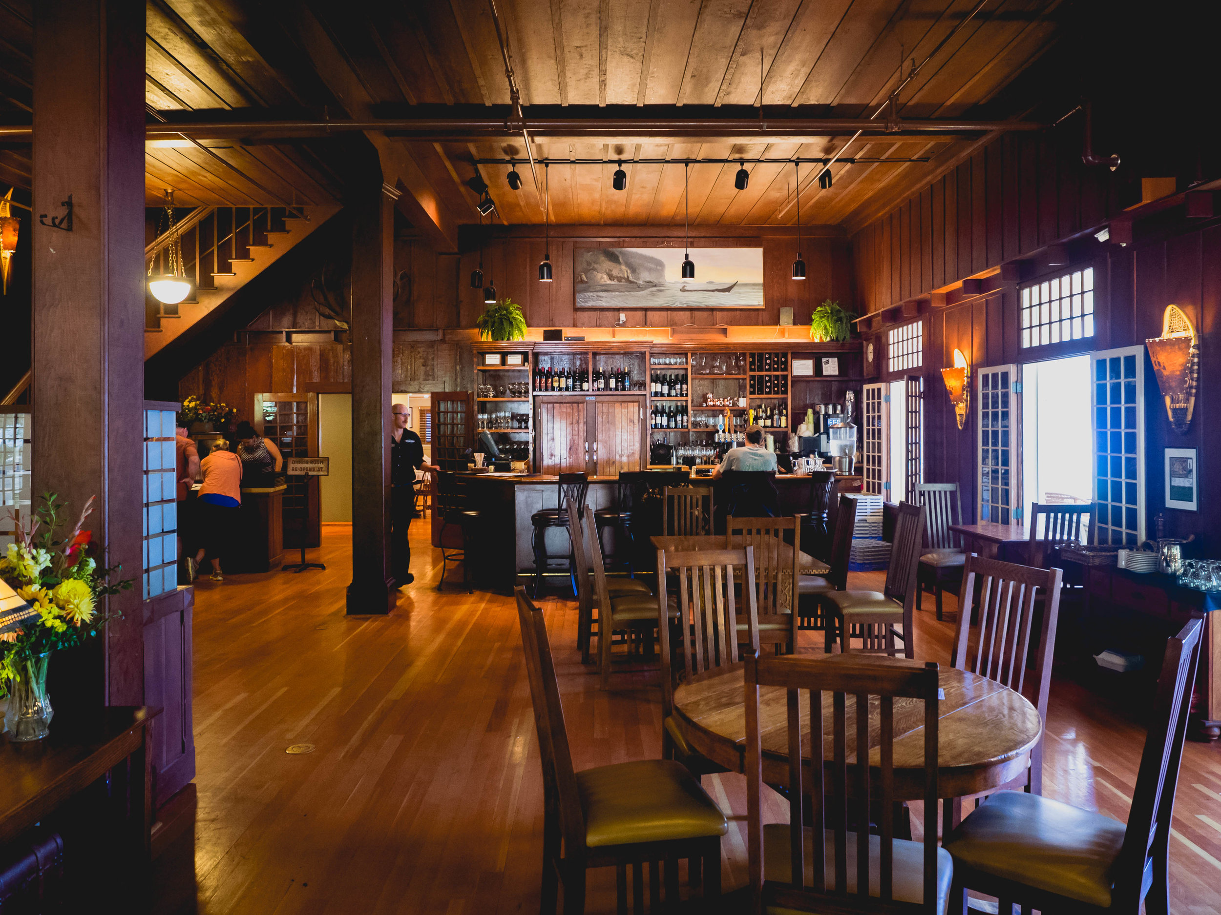 the bar inside crescent lake lodge.