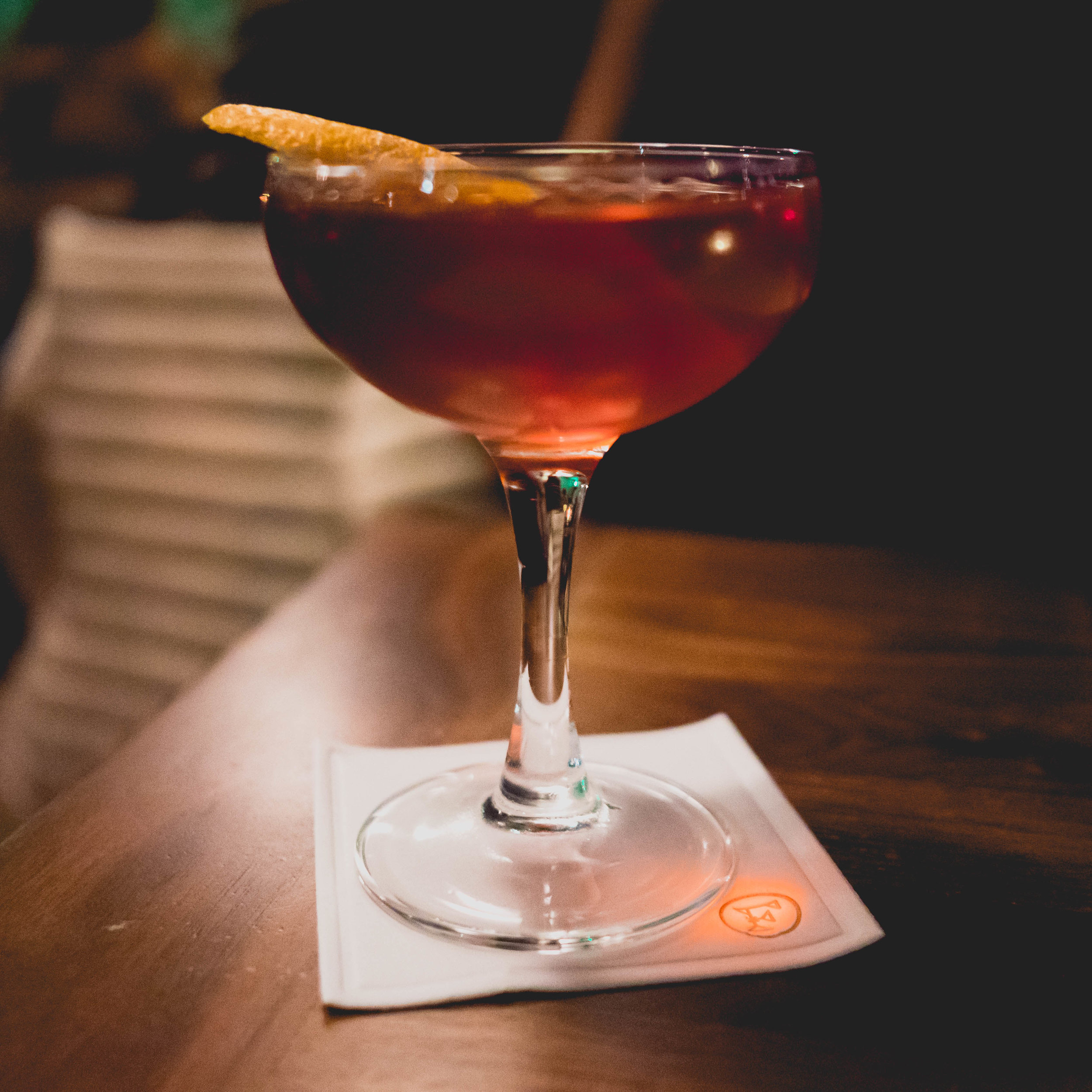 bloody knuckle : rye whiskey, aperitivo select, sloe gin.