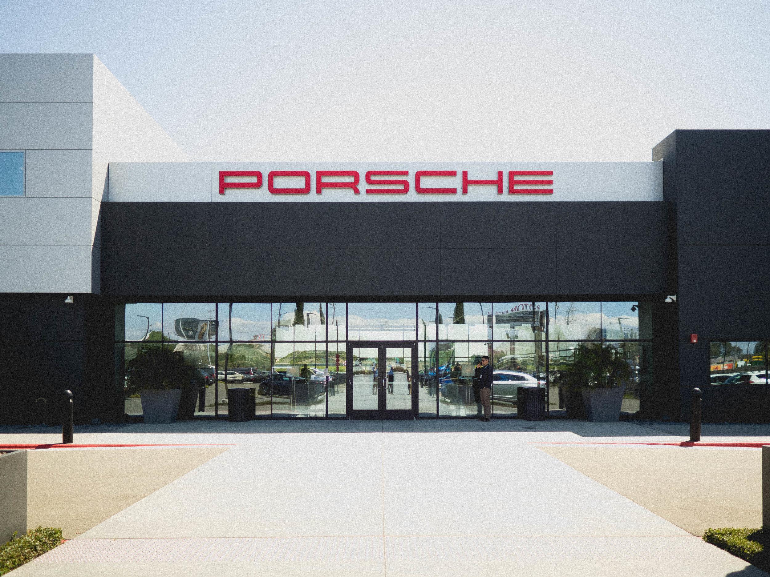 porsche-experience-center-101.jpg
