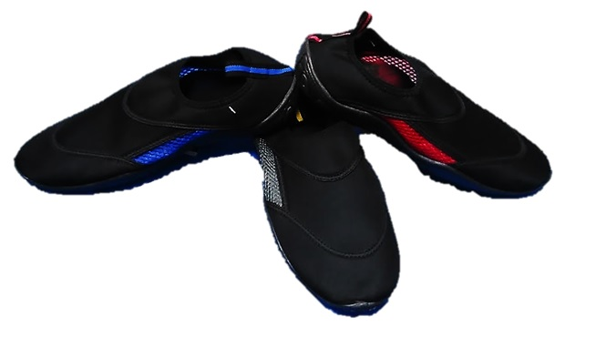 AQUA : MENS : STYLE : WAVES (NEW) : COLORS : BLK/BLUE, BLK/YELLOW, & BLK/RED : SIZES : 7-13 : cASE : 24 PER MUSICAL RUN