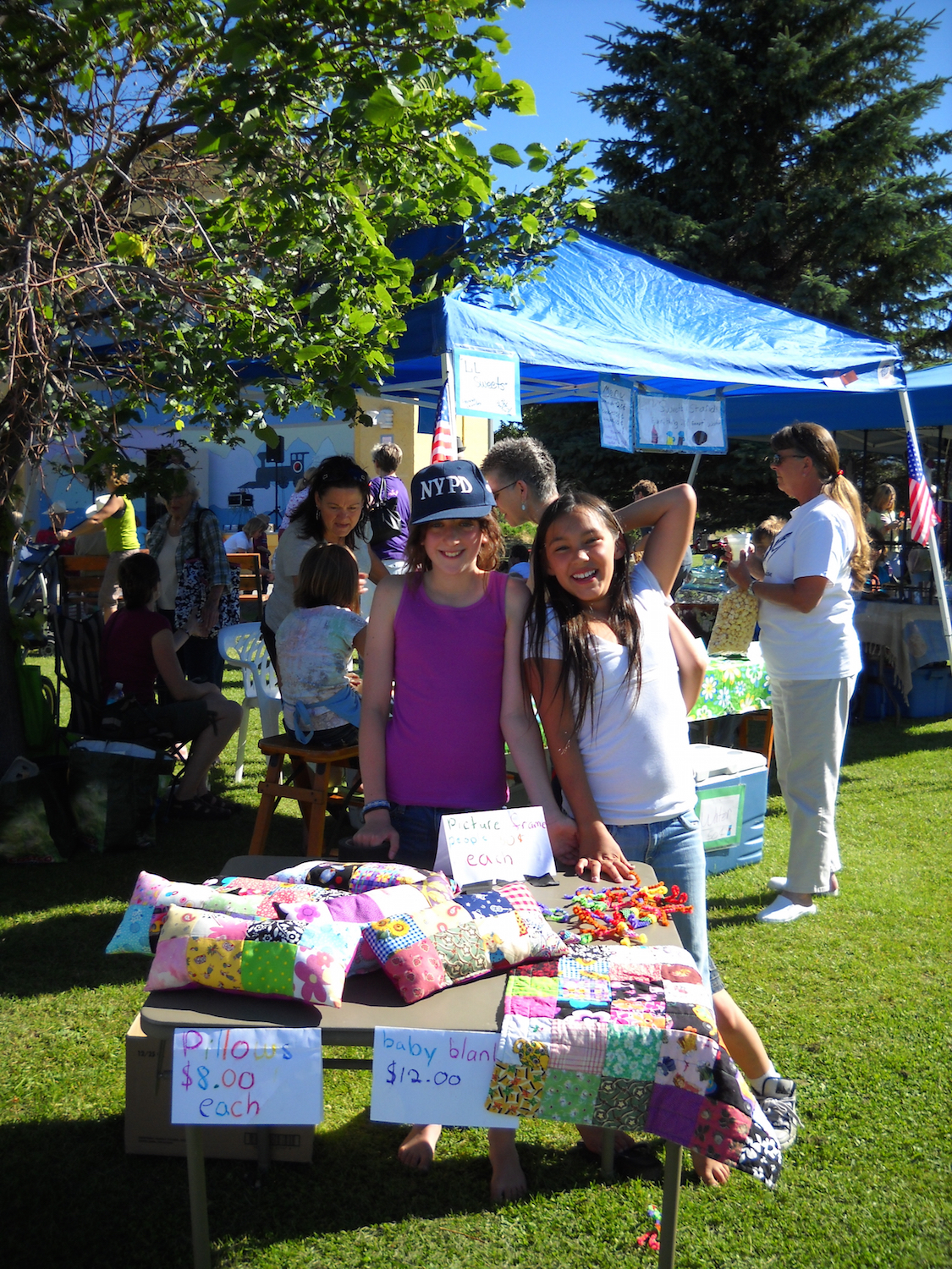 laughing-kids-quilt-booth-yes10.jpg