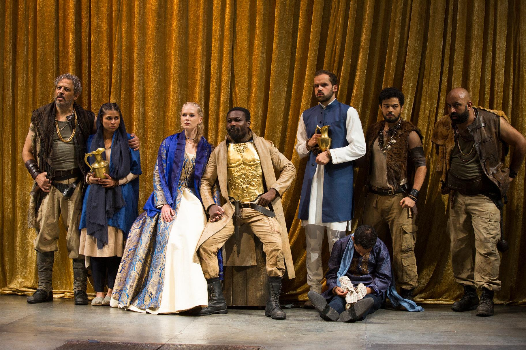 © Ellie Kurttz, RSC (David Rubin as Techelles, Zainab Hasan as Anippe, Rosy McEwen as Zenocrate, Jude Owusu as Tamburlaine, Ralph Davis as Agydas, Salman Akhtar as Capolin, Riad Richie as Usumcasane, and Naveed Khan as Kasap)