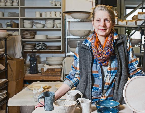 Inline-NYC-Ceramicist-Wynne-Noble-Pottery-Craft-Entertaining-Clay-Brooklyn.jpg