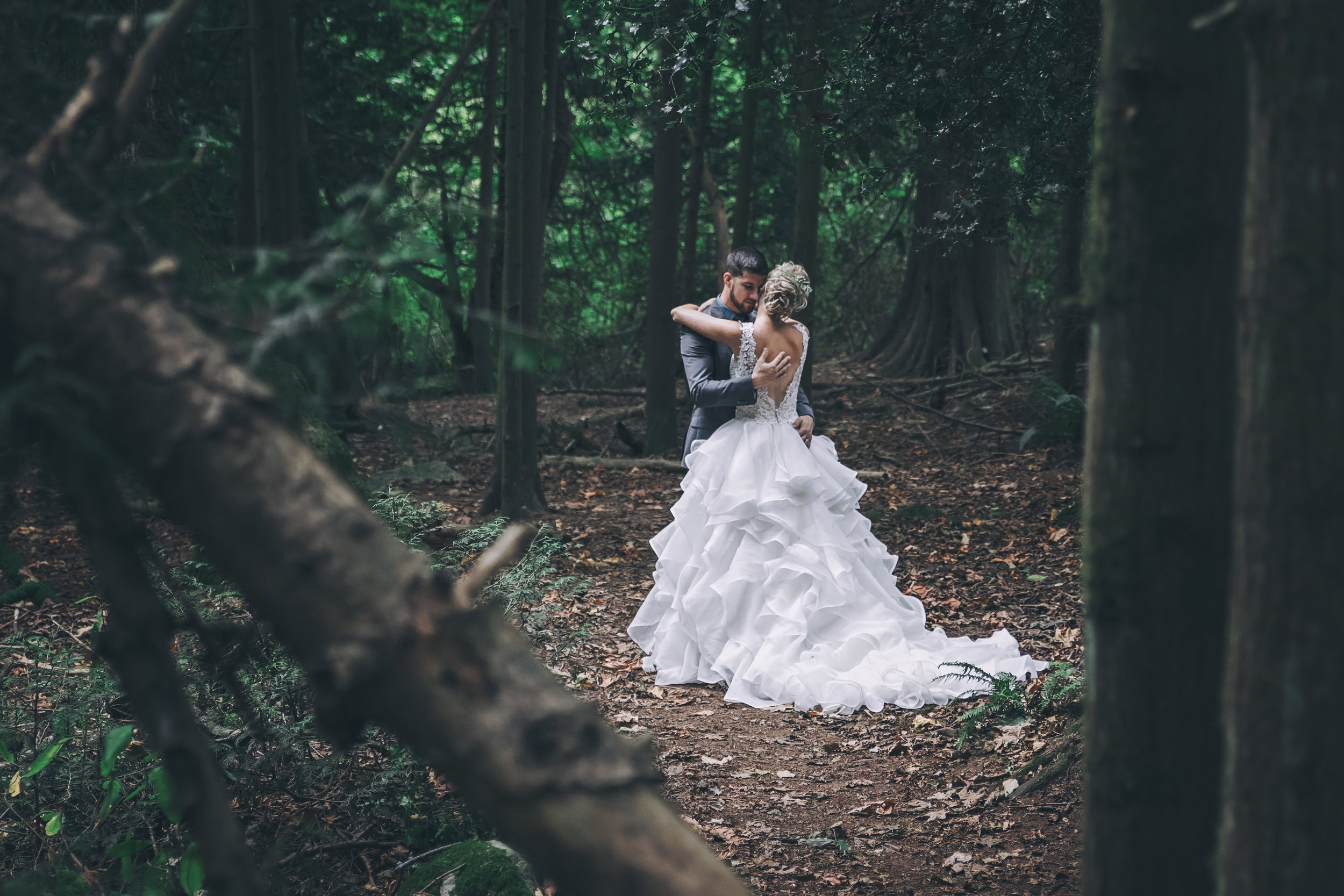#woodland #wedding #whimsical #ballgown #connection #emotional #fairytale #princess #bride #groom #greywedding #etherealwedding #fairytalewedding #cathedralveil #veil #whitebouquet #simplyupdo #messyupdo #redlips #pearl #babysbreath #white #forestwedding