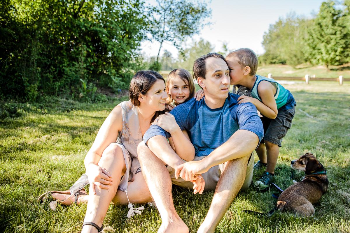 Vancouver Family Photographer Aldergrove Bowl Provincial Park Outdoor Photo -067.JPG