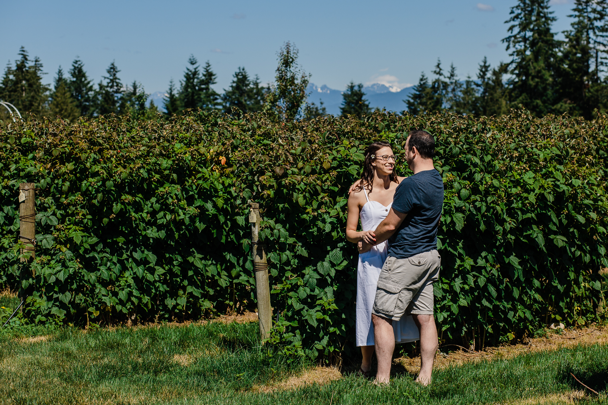 Krause Berry Farm Documentary Fun Engagement Photographer Fort Langley  Mustard Yellow City -079.jpg