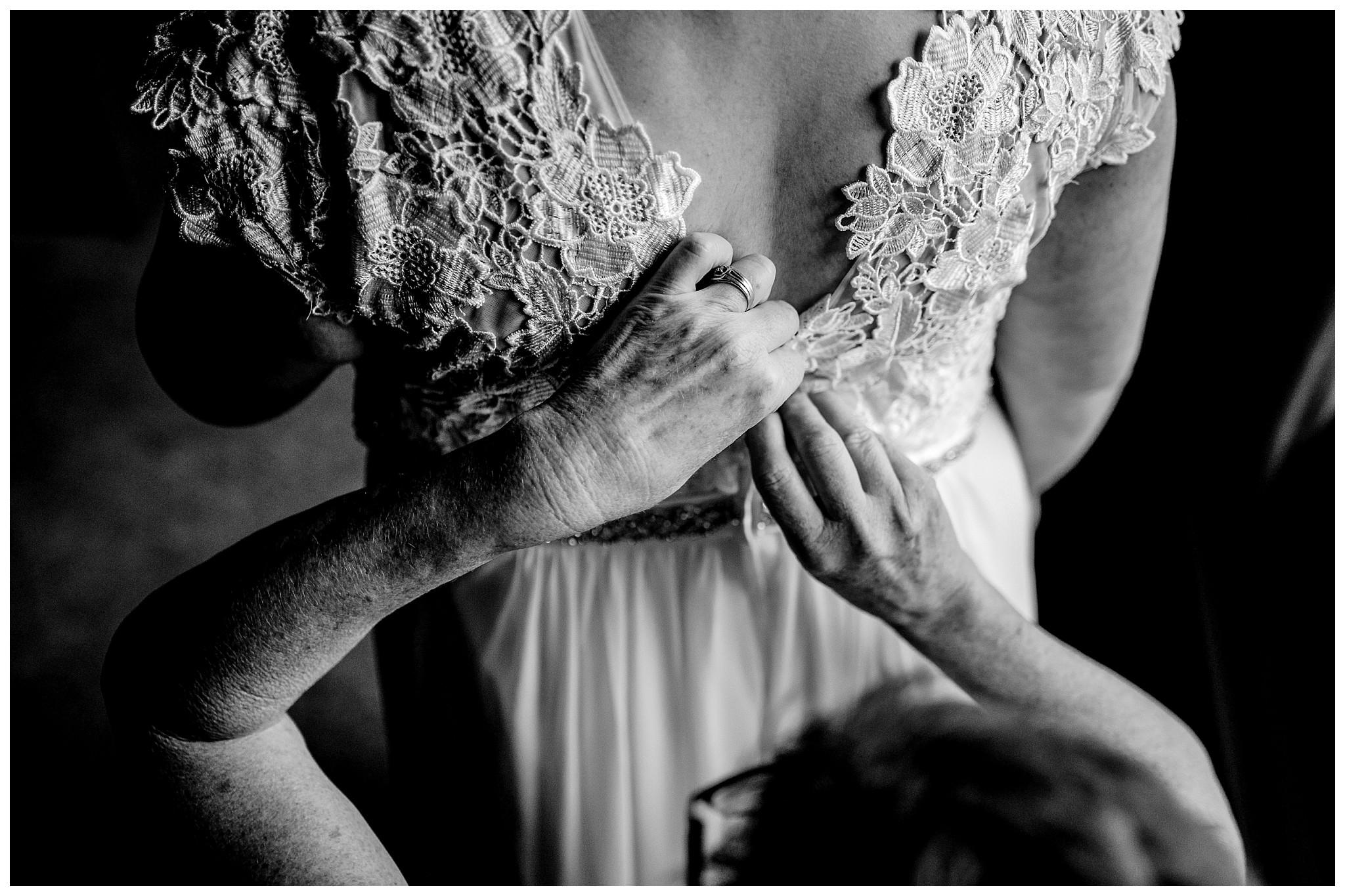 Aldergrove Park Fall Backyard Wedding Photographer Pregnant Bride Tent Outdoor BC Canada Best Wedding Photographer_0006.jpg