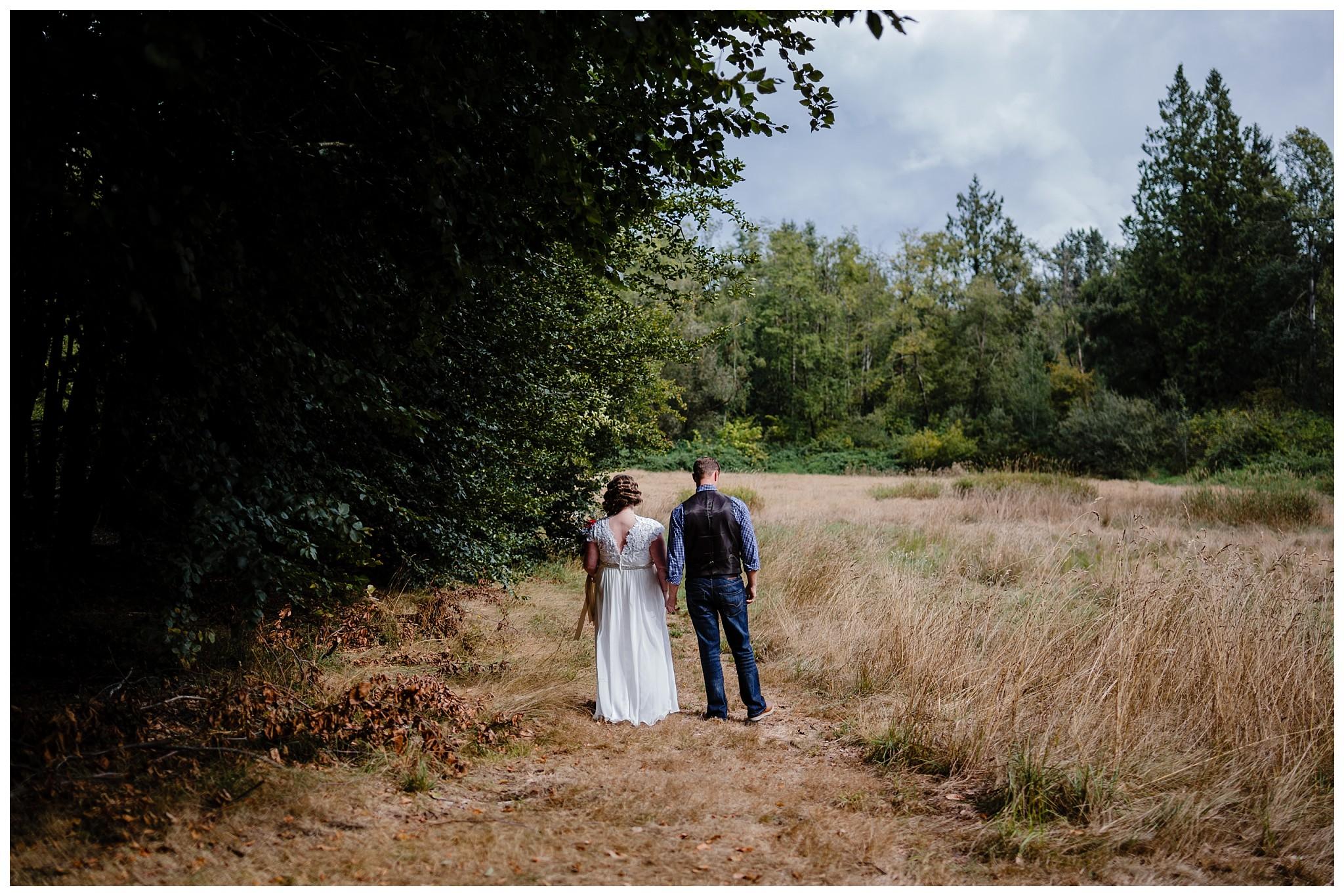Aldergrove Park Fall Backyard Wedding Photographer Pregnant Bride Tent Outdoor BC Canada Best Wedding Photographer_0029.jpg