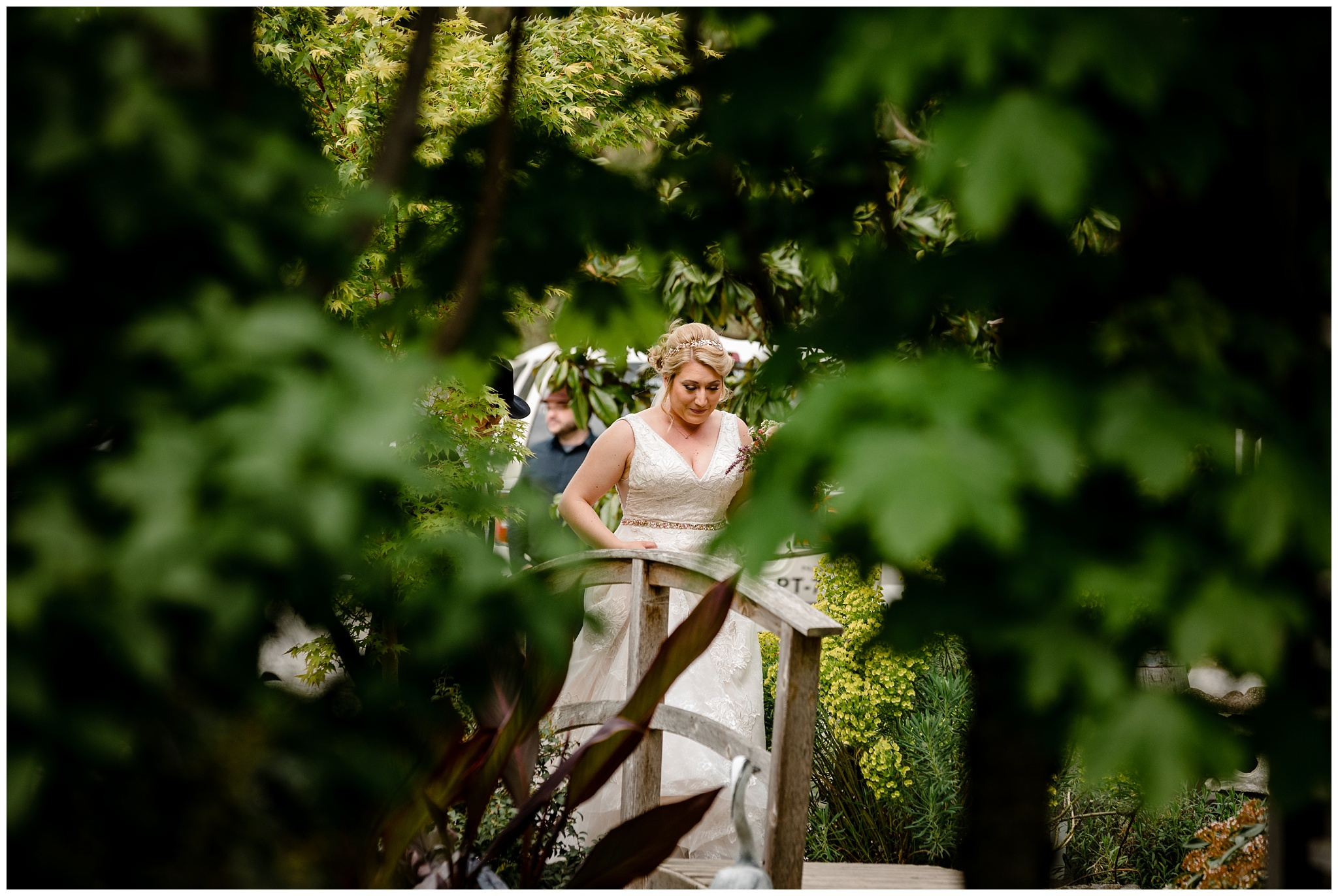 The Secret Garden at Woodbridge Ponds Abbotsford Wedding Venue Photography Fun Candid Happy Pink Purple  Real_0004.jpg