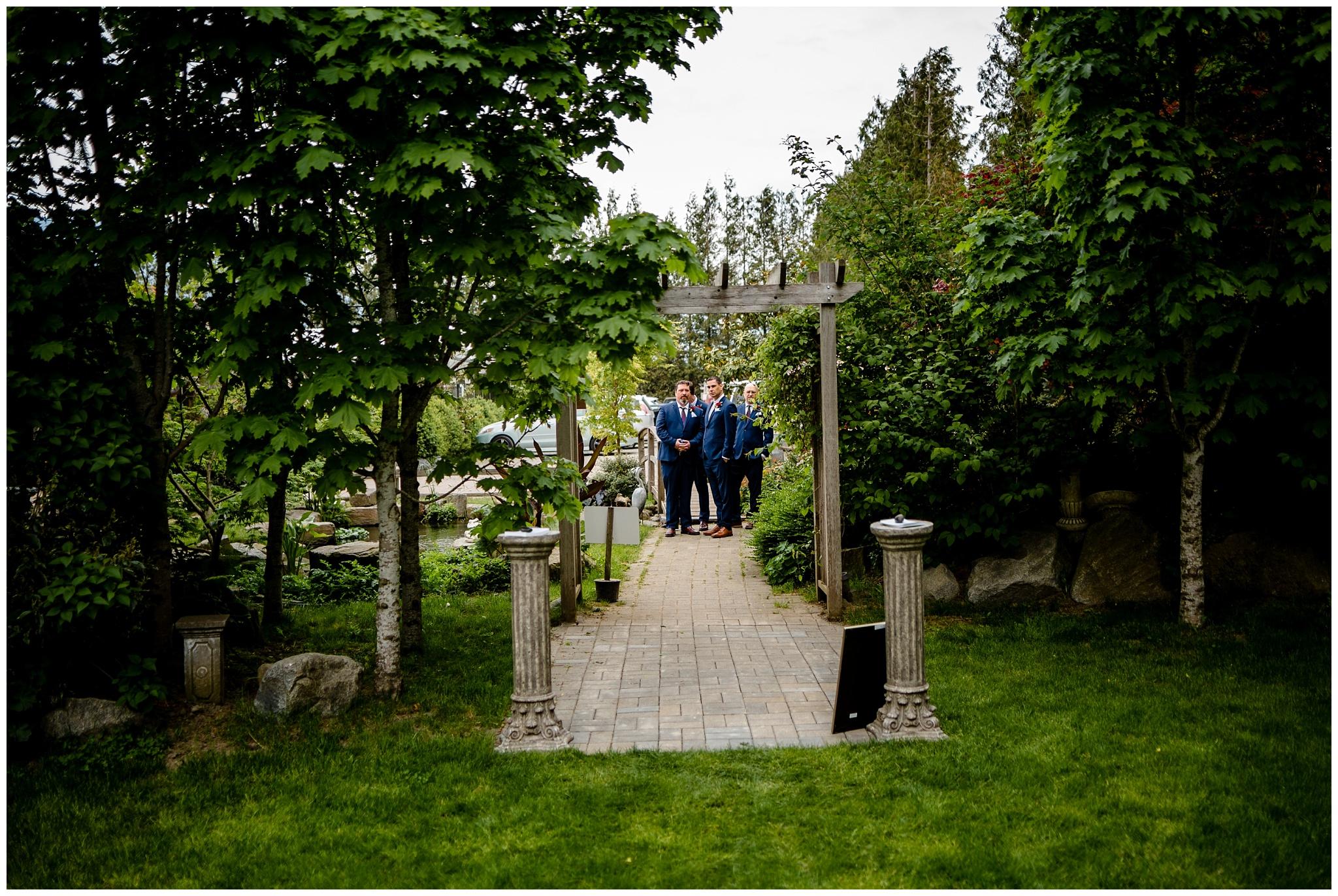 The Secret Garden at Woodbridge Ponds Abbotsford Wedding Venue Photography Fun Candid Happy Pink Purple  Real_0003.jpg