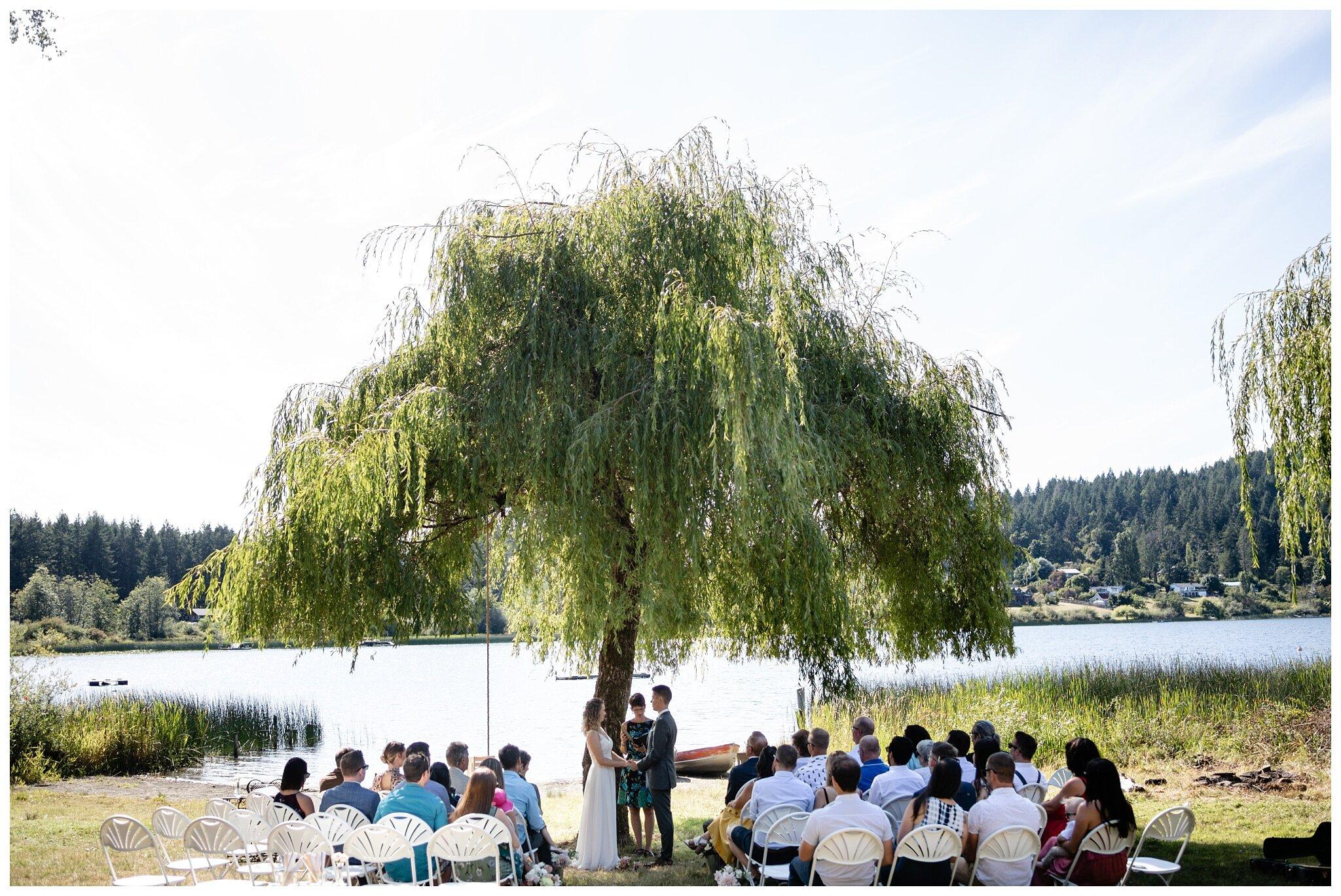 Salt Spring Island Wedding Photographer Lakeshore On Salt Spring Venue Destination Wedding_0023.jpg