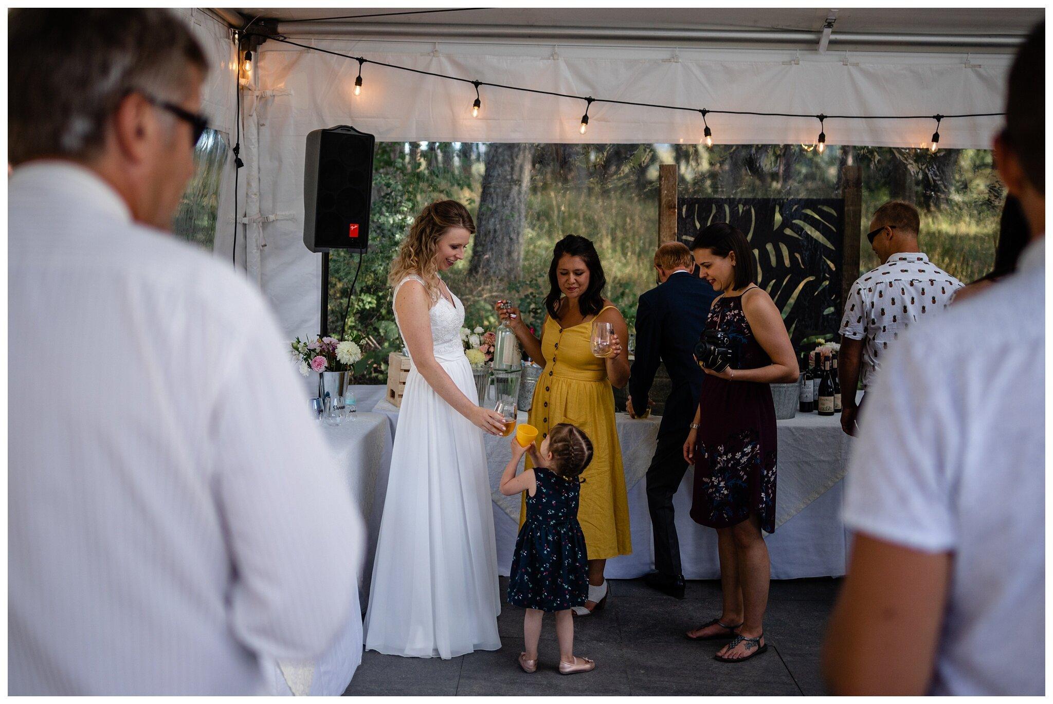 Salt Spring Island Wedding Photographer Lakeshore On Salt Spring Venue Destination Wedding_0032.jpg
